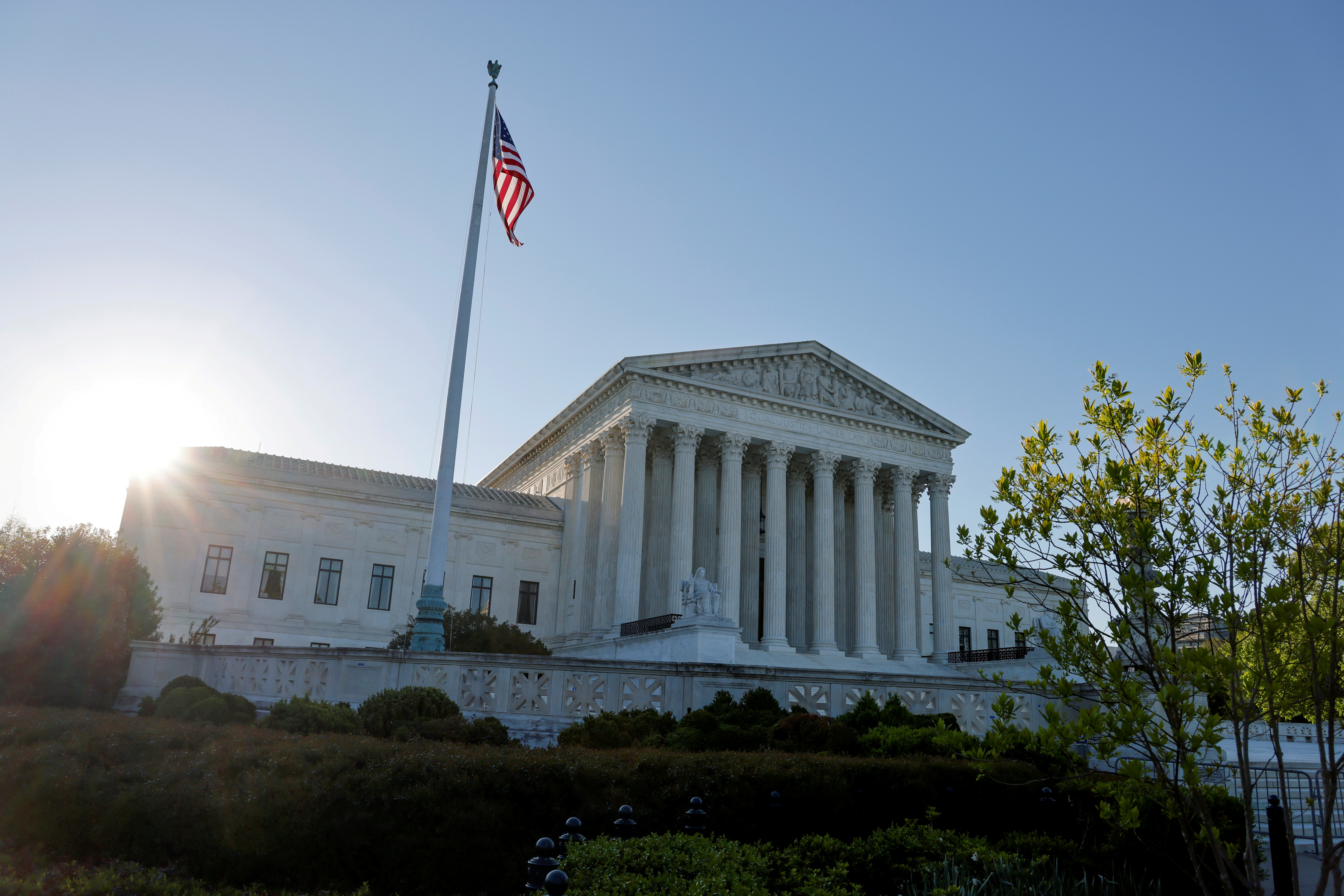 Morning rises over the U.S. Supreme Court building in Washington, U.S. April 26, 2021.  REUTERS/Jonathan Ernst