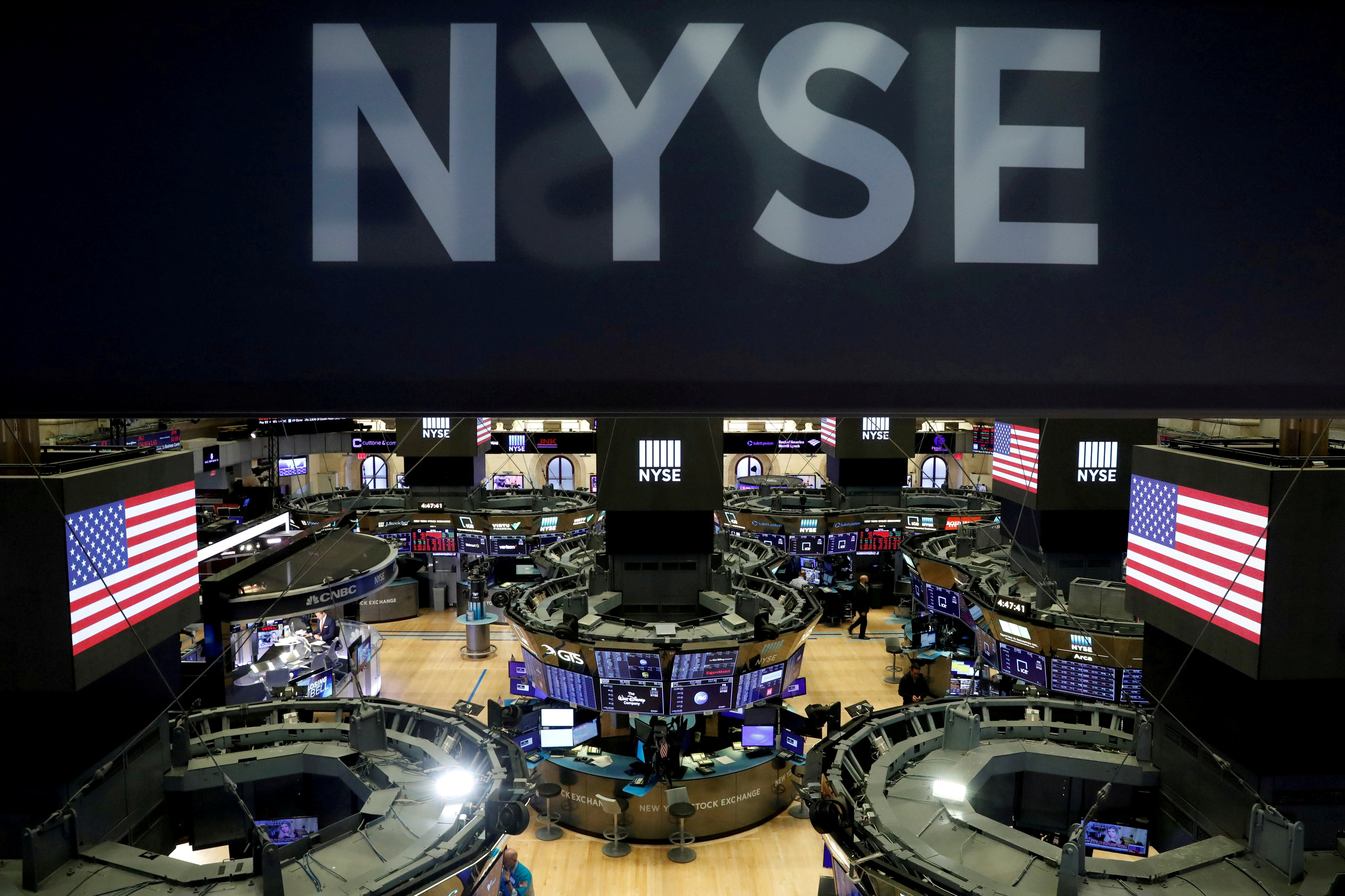 The floor of the theNewYorkStockExchange(NYSE) is seen after the close of trading inNewYork, U.S., March 18, 2020. REUTERS/Lucas Jackson