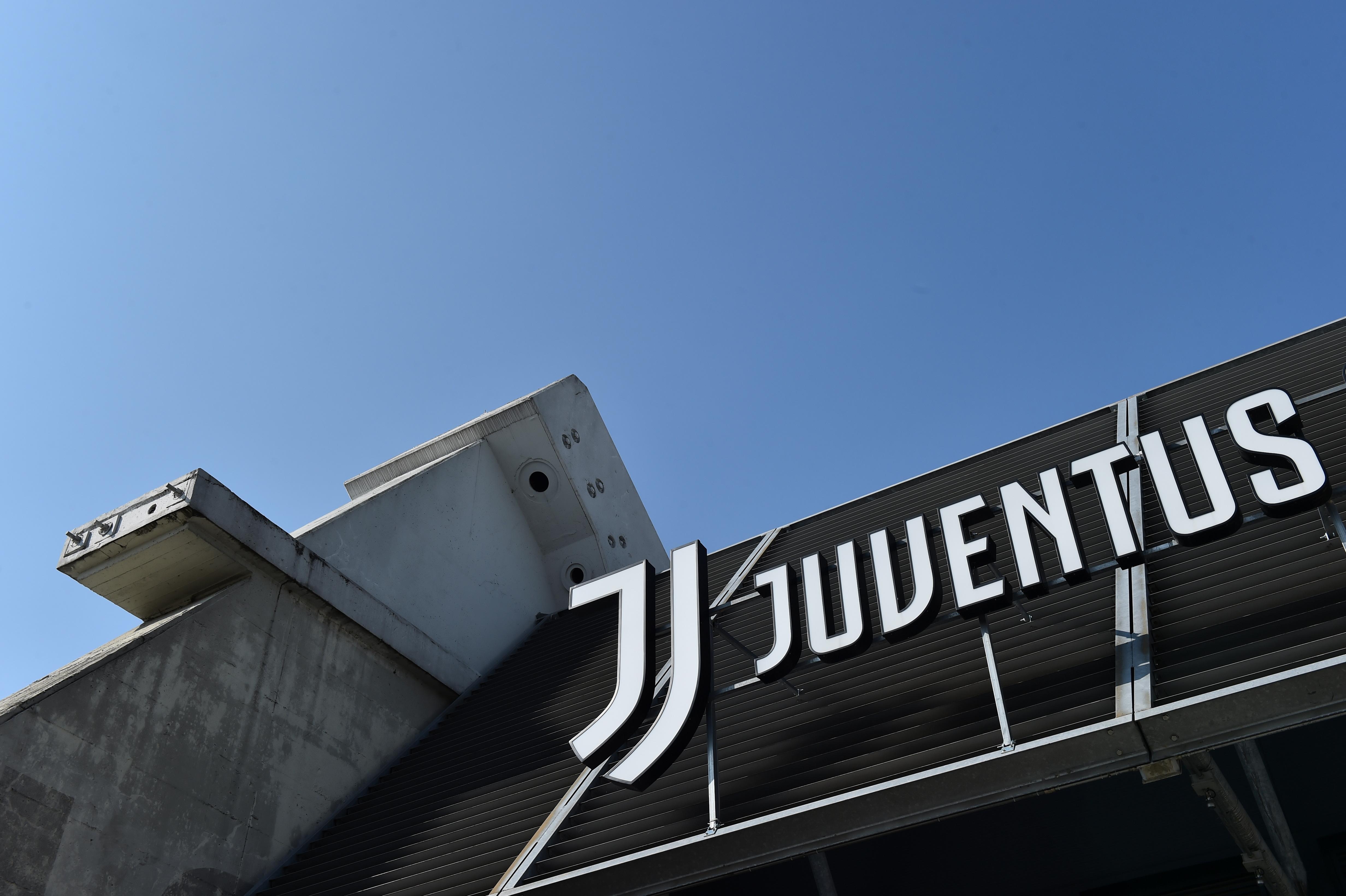 Bóng đá - Sân vận động Allianz được xem là mười hai trong số các câu lạc bộ bóng đá hàng đầu châu Âu khởi động Super League ly khai - Turin, Ý - ngày 19 tháng 4 năm 2021 REUTERS / Massimo Pinca