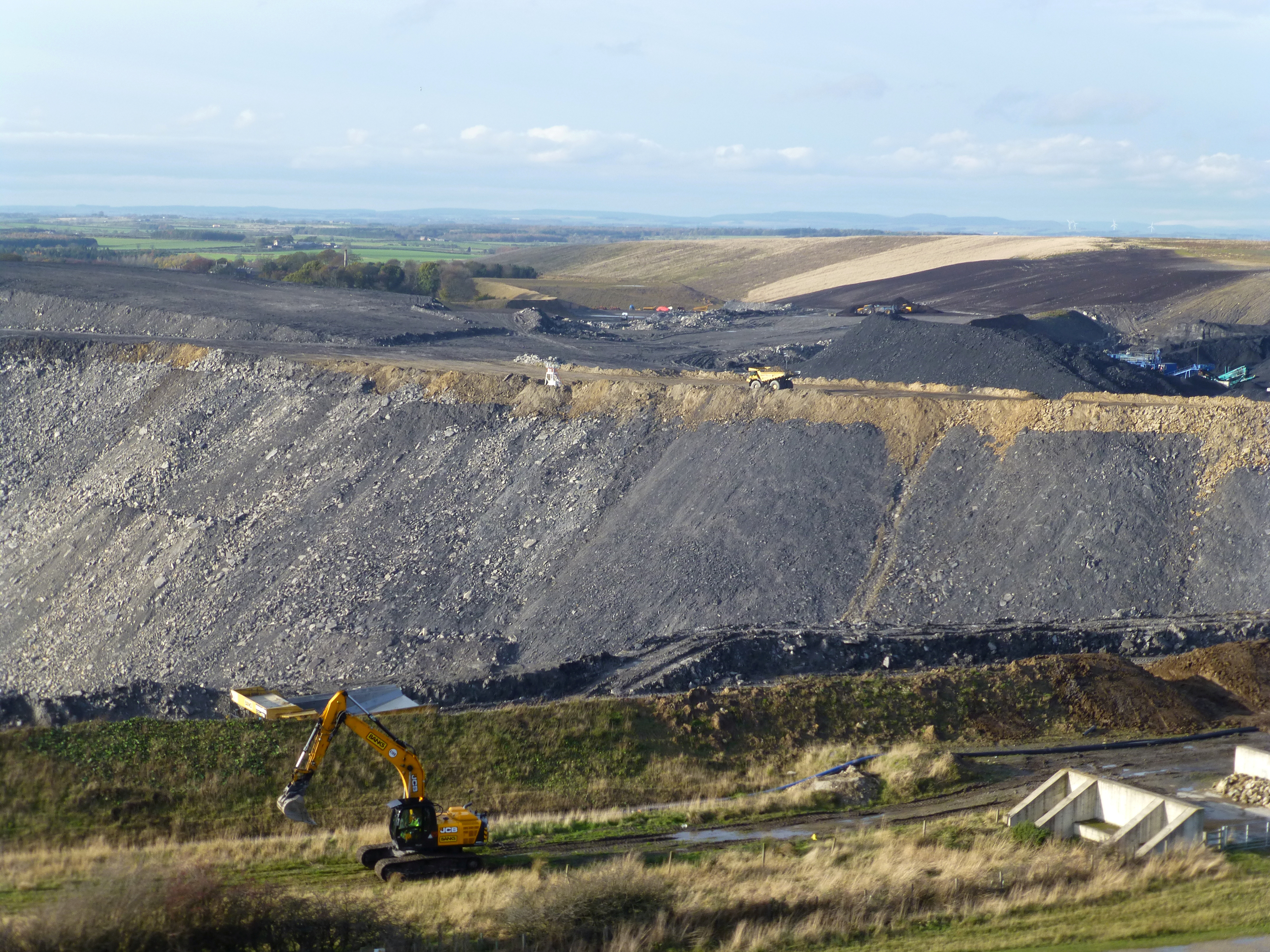 A view of the slopes of the Banks Group Shotton open cast mine in Northumberland, Britain, November 11, 2016.  REUTERS/Barbara Lewis
