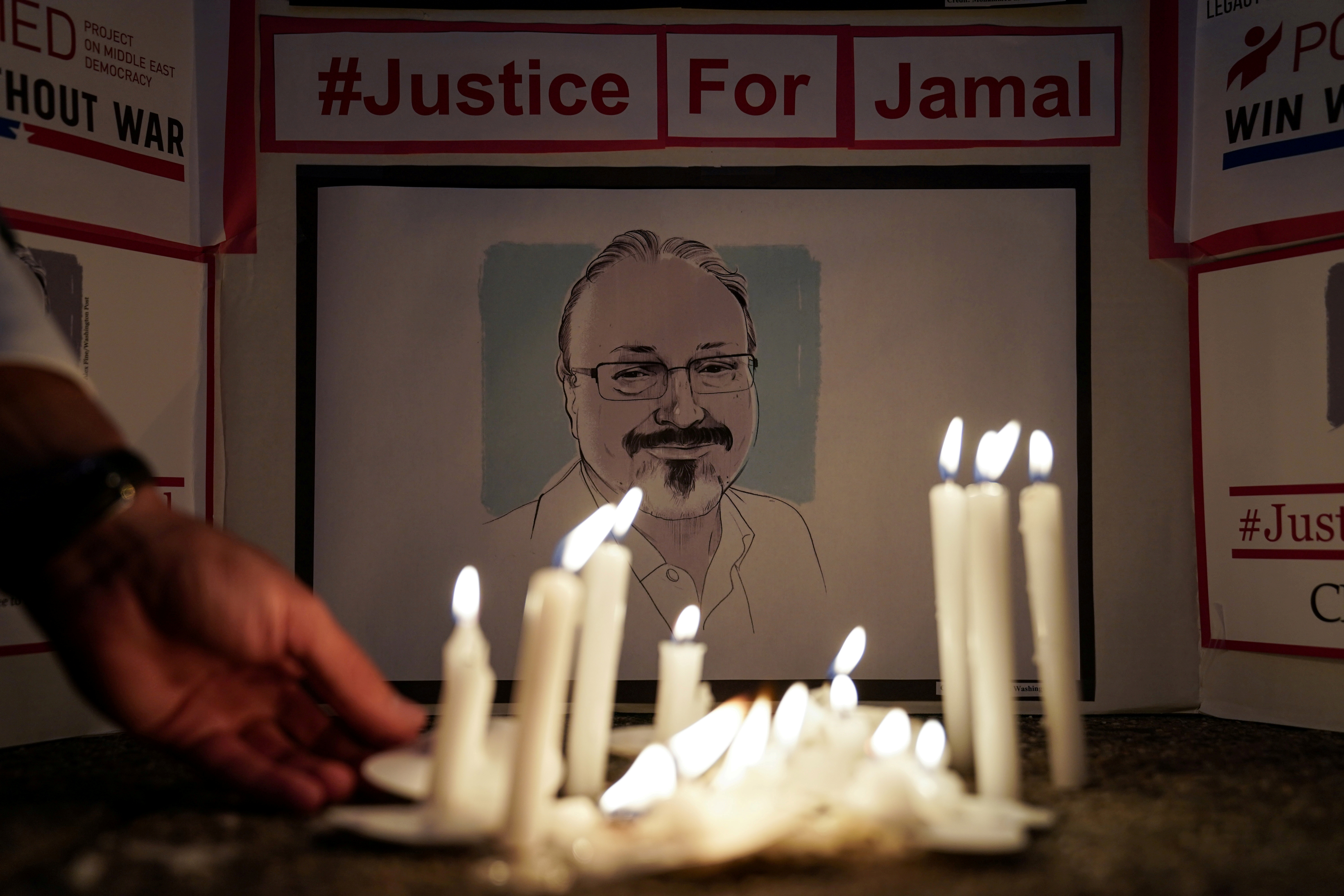 The Committee to Protect Journalists and other press freedom activists hold a candlelight vigil in front of the Saudi Embassy to mark the anniversary of the killing of journalist Jamal Khashoggi at the kingdom's consulate in Istanbul, Wednesday evening in Washington, U.S., October 2, 2019. REUTERS/Sarah Silbiger/File Photo