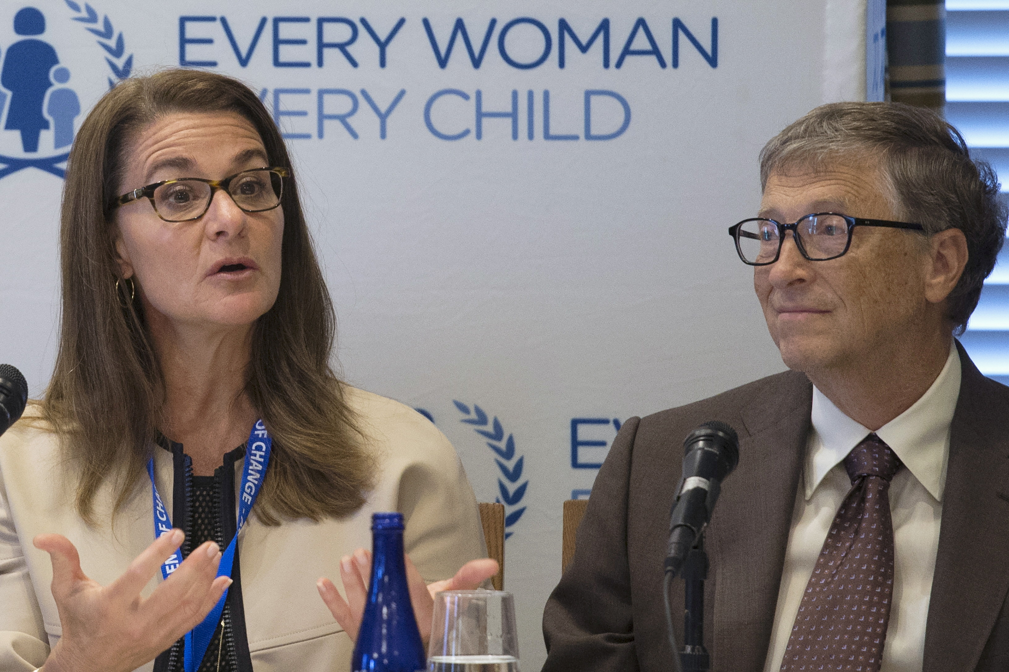 Melinda Gates and her husband, Microsoft co-founder Bill Gates, co-founders of Bill & Melinda Gates Foundation, attend a United Nations' Every Woman, Every Child news conference in New York September 24, 2015. REUTERS/Pearl Gabel