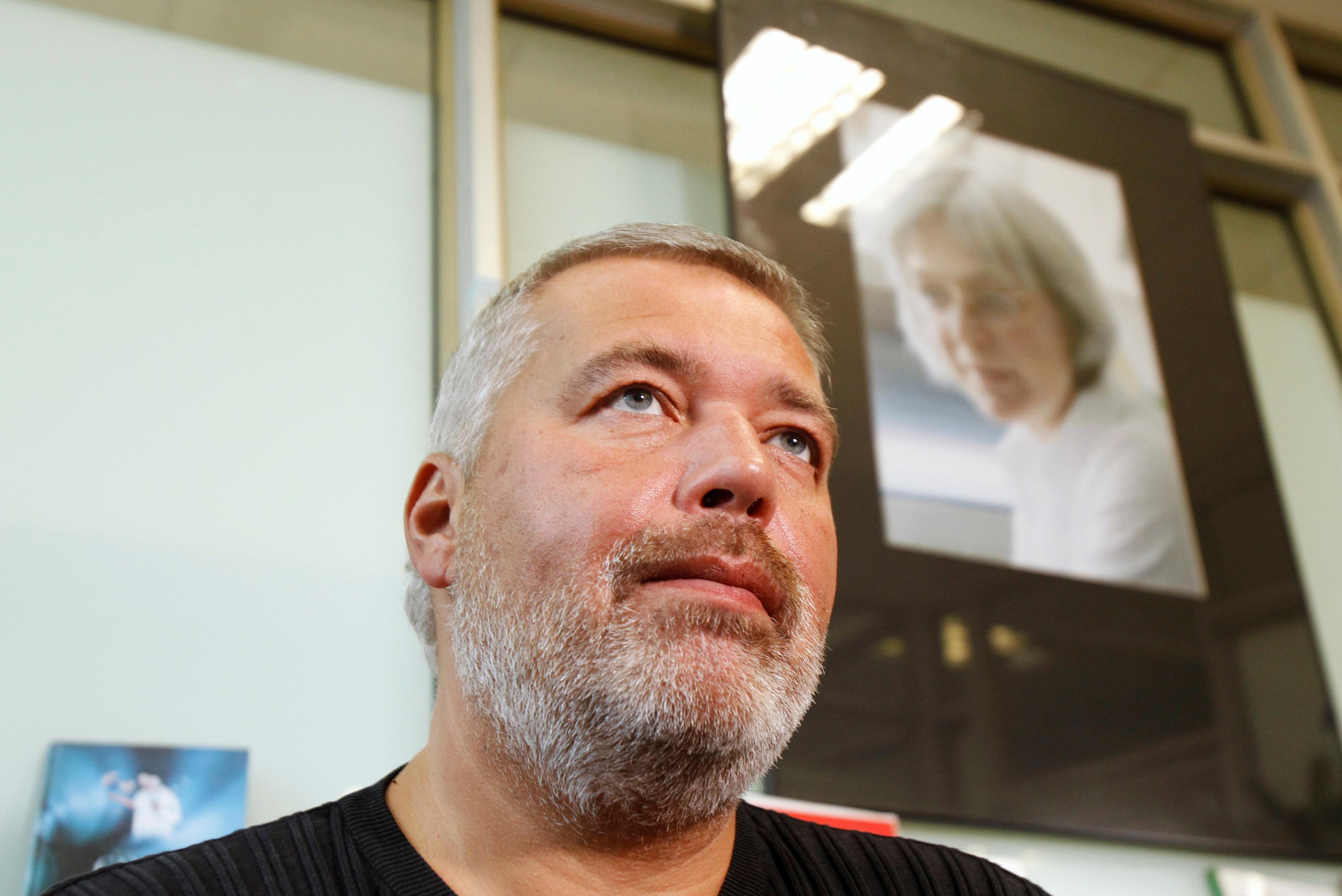 Novaya Gazeta's editor-in-chief Dmitry Muratov speaks during an interview in Moscow October 4, 2011. REUTERS/Sergei Karpukhin