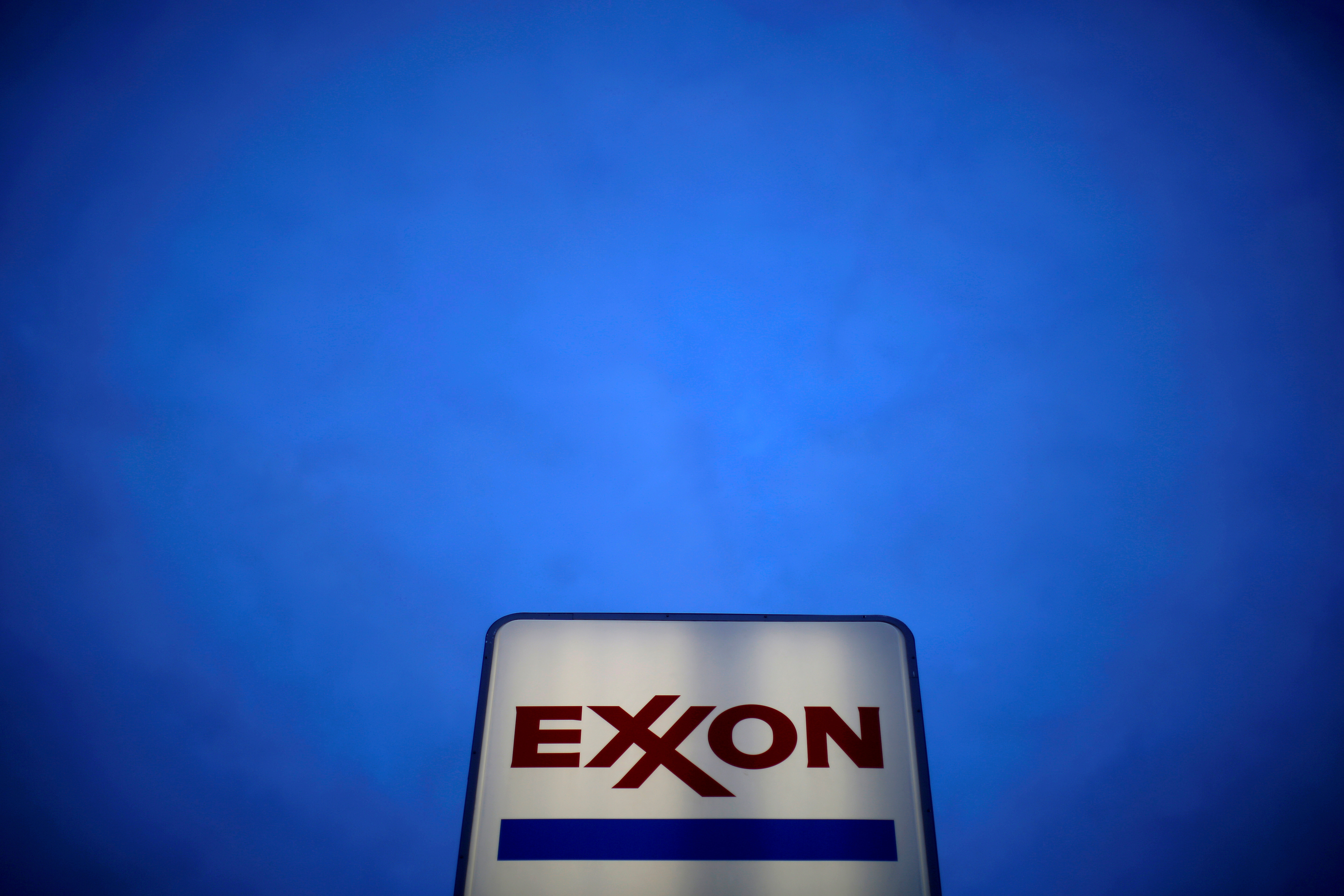 An Exxon sign is seen at a gas station in the Chicago suburb of Norridge, Illinois, U.S., October 27, 2016. REUTERS/Jim Young/File Photo