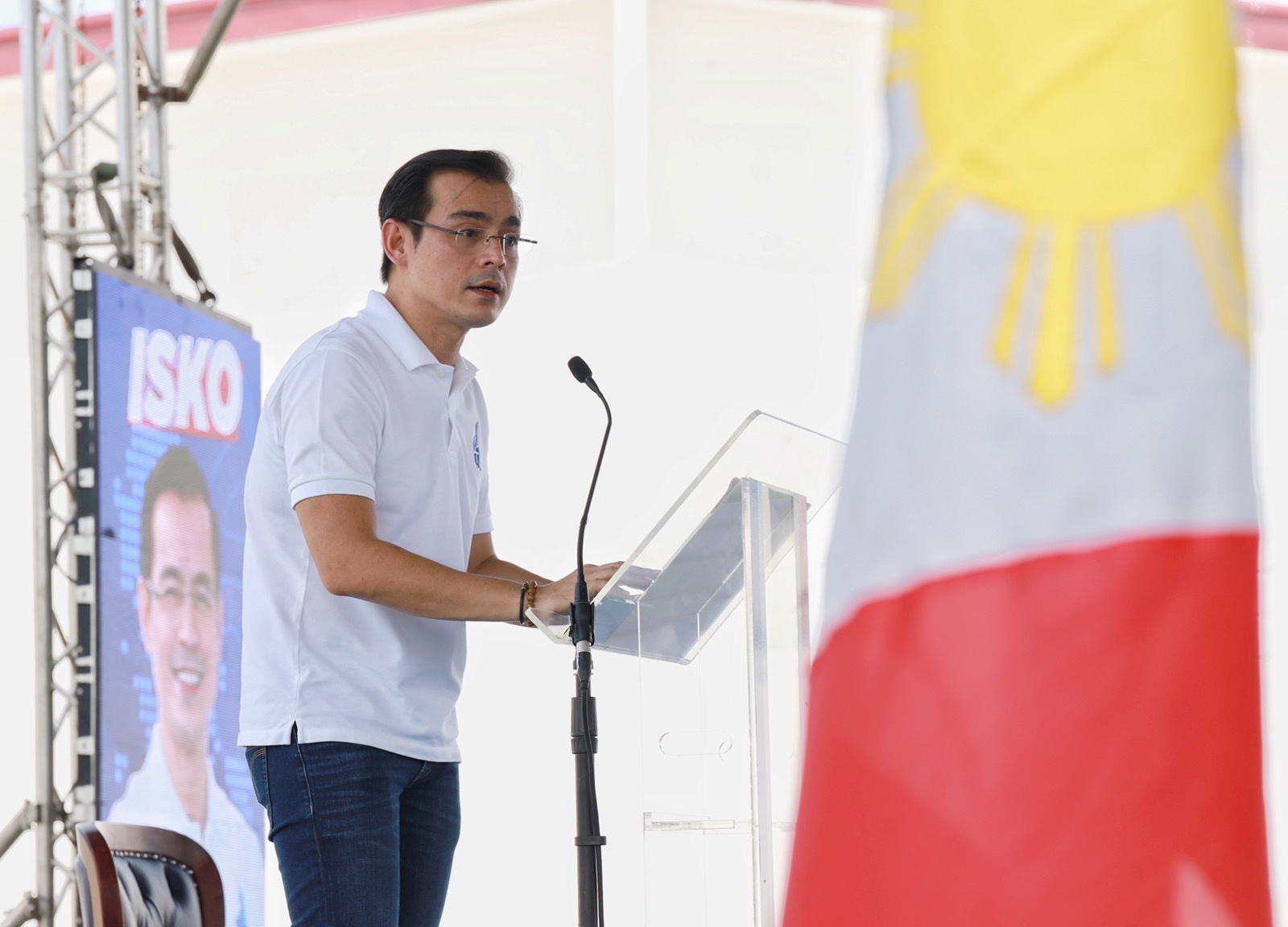 Manila Mayor Francisco 'Isko' Moreno Domagoso speaks during the official announcement of his presidential bid in the 2022 national elections in a poor community in Baseco, Manila, Philippines, September 22, 2021. Manila Public Information Office/Handout via REUTERS