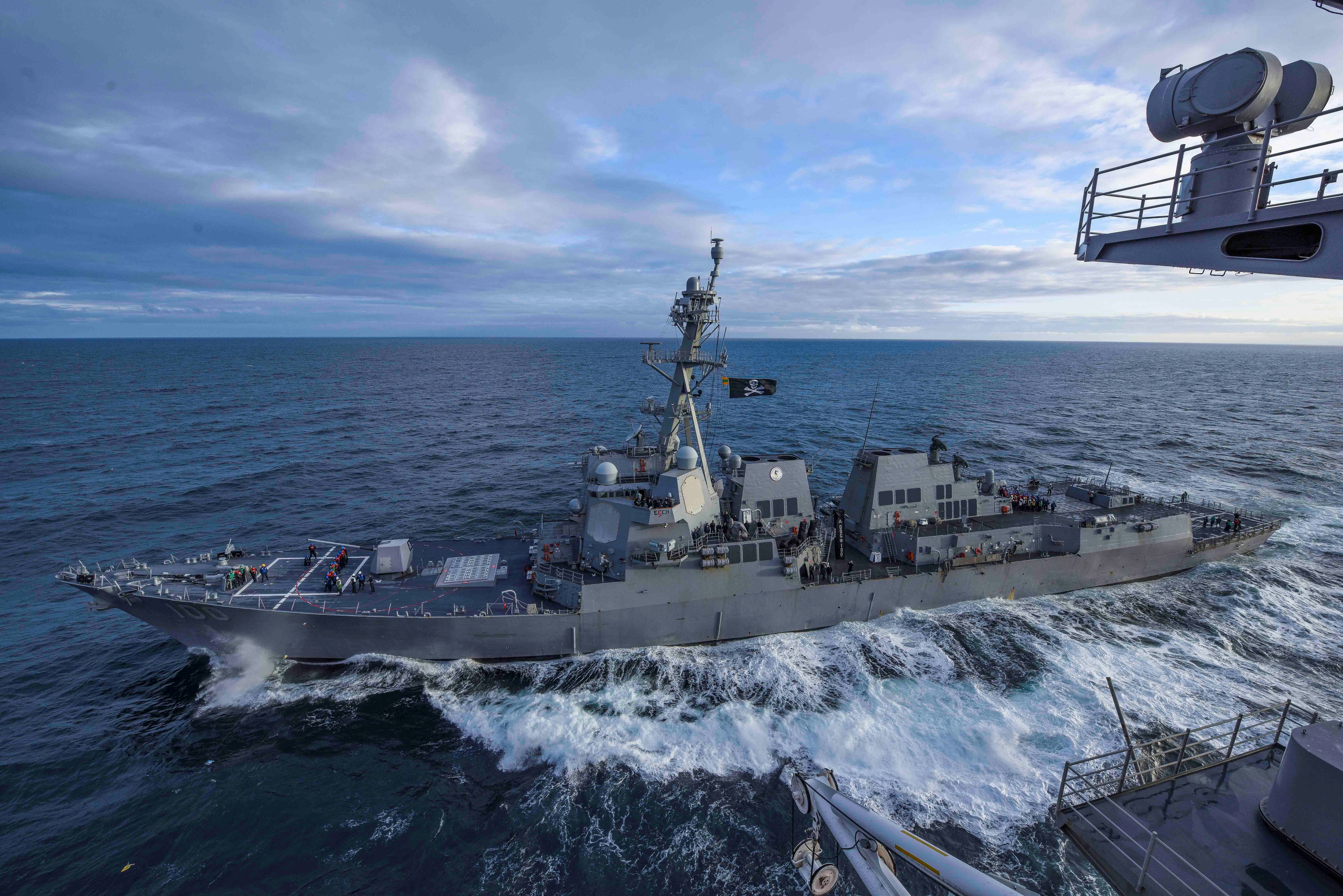 The U.S. Navy Arleigh Burke-class guided-missile destroyer USS Kidd transits alongside the aircraft carrier USS Theodore Roosevelt while participating in Exercise Northern Edge 2019 in the Gulf of Alaska May 16, 2019. Picture taken May 16, 2019. U.S. Navy/Mass Communication Specialist 3rd Class Sean Lynch/Handout via REUTERS./File Photo