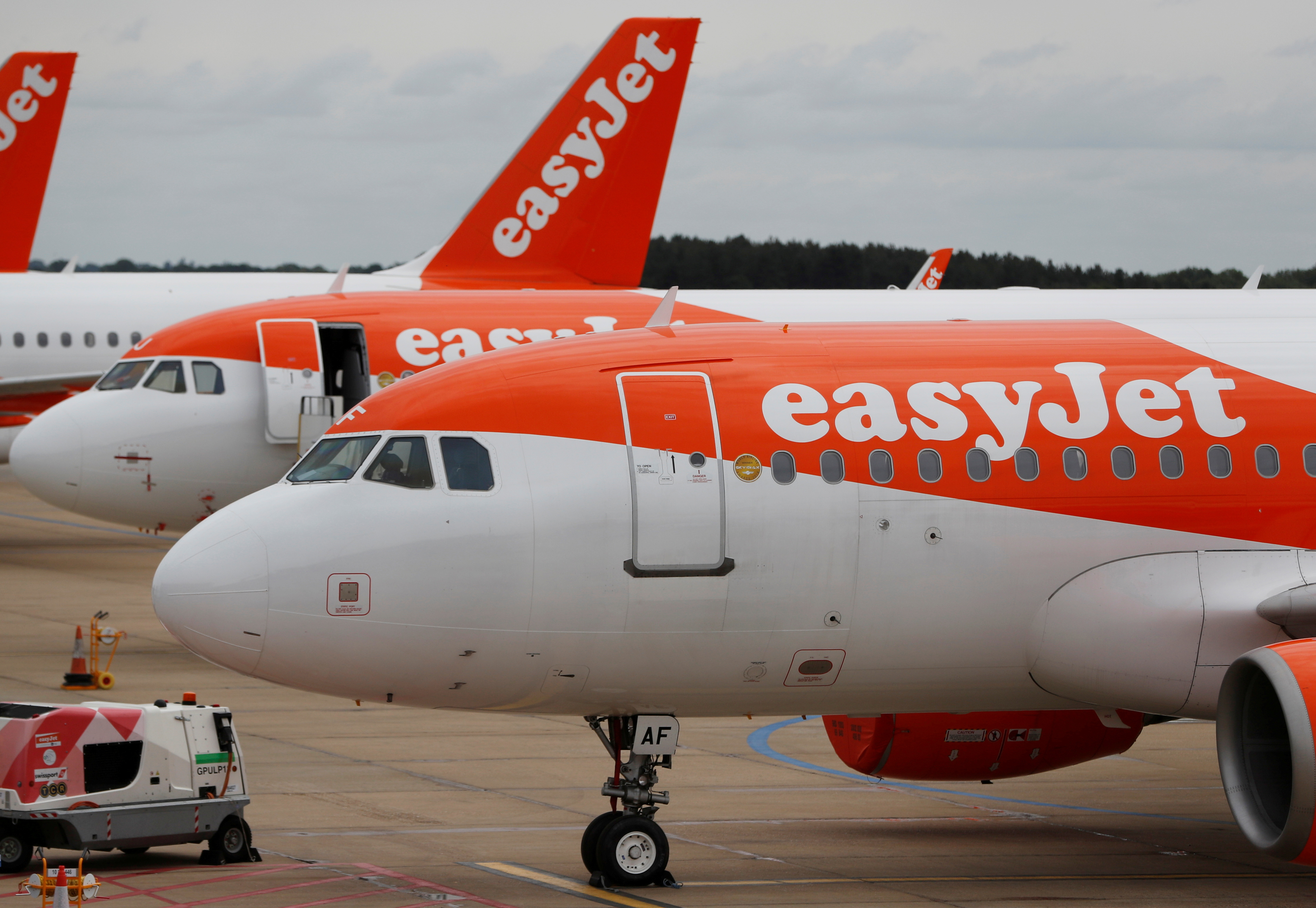 An Easyjet Airbus A319 plane is seen at Luton Airport, Luton, Britain, June 4, 2020. REUTERS/Paul Childs/File Photo