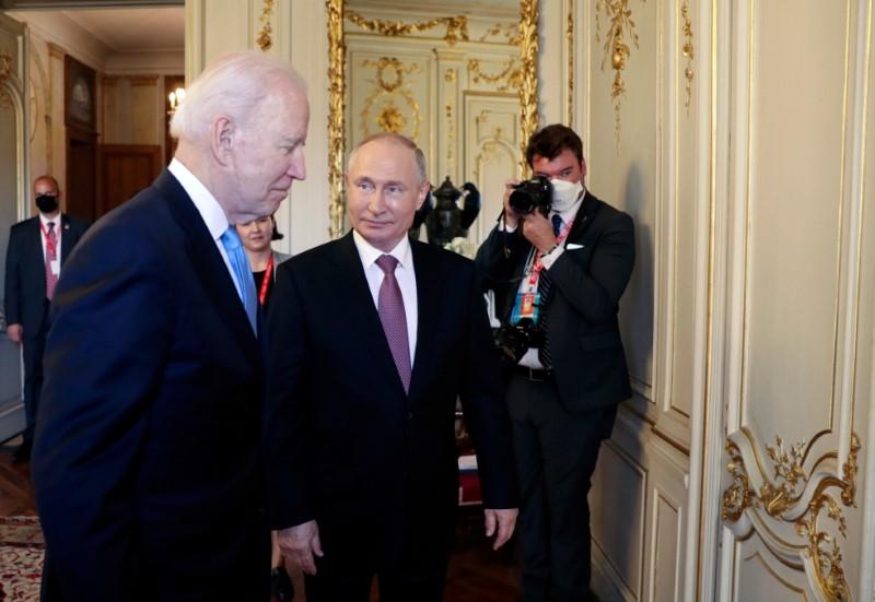 U.S. President Joe Biden and Russia's President Vladimir Putin meet for the U.S.-Russia summit at Villa La Grange in Geneva, Switzerland June 16, 2021. Sputnik/Mikhail Metzel/Pool via REUTERS