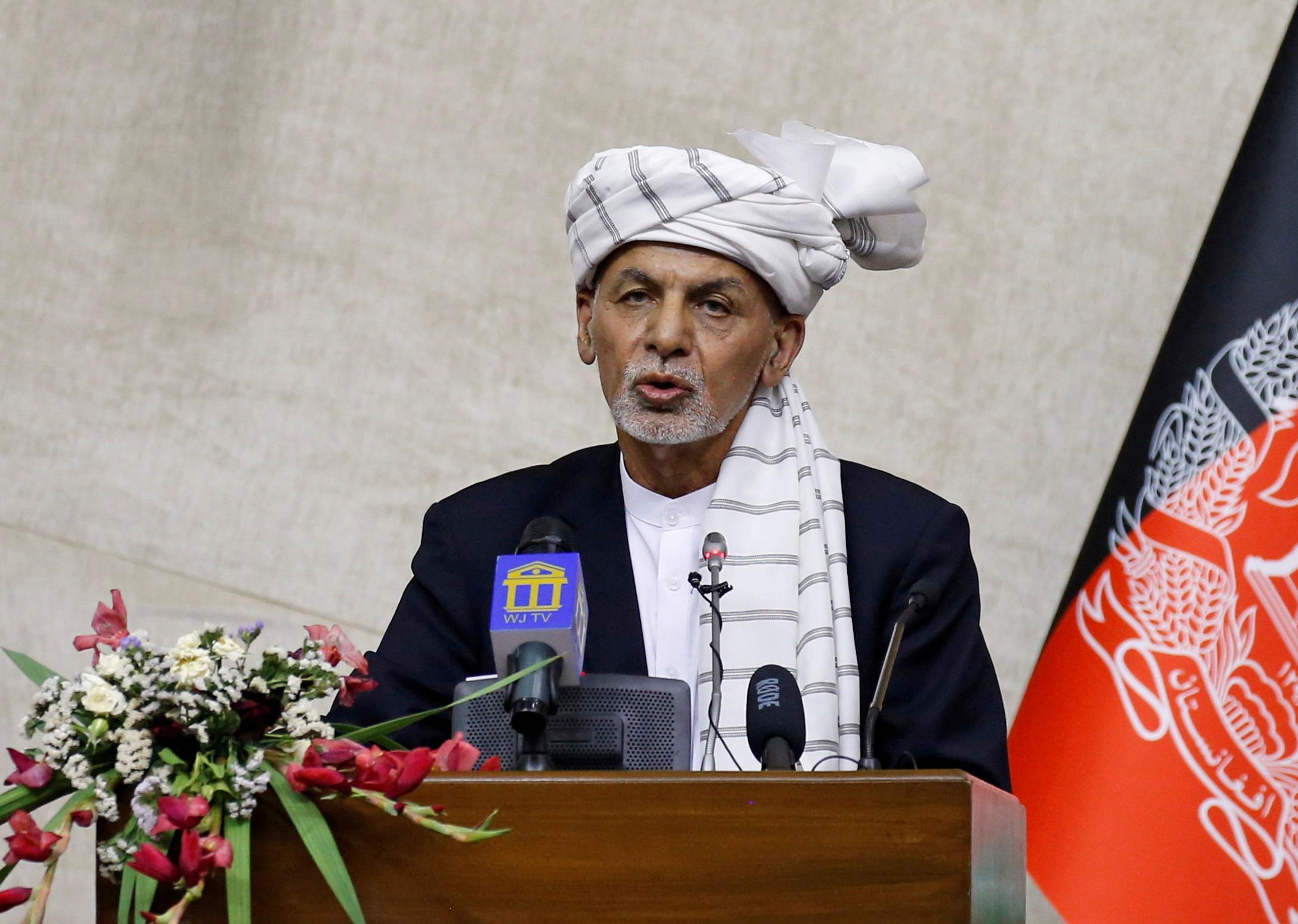 Afghan President Ashraf Ghani speaks at the parliament in Kabul, Afghanistan August 2, 2021. REUTERS/Stringer/File Photo