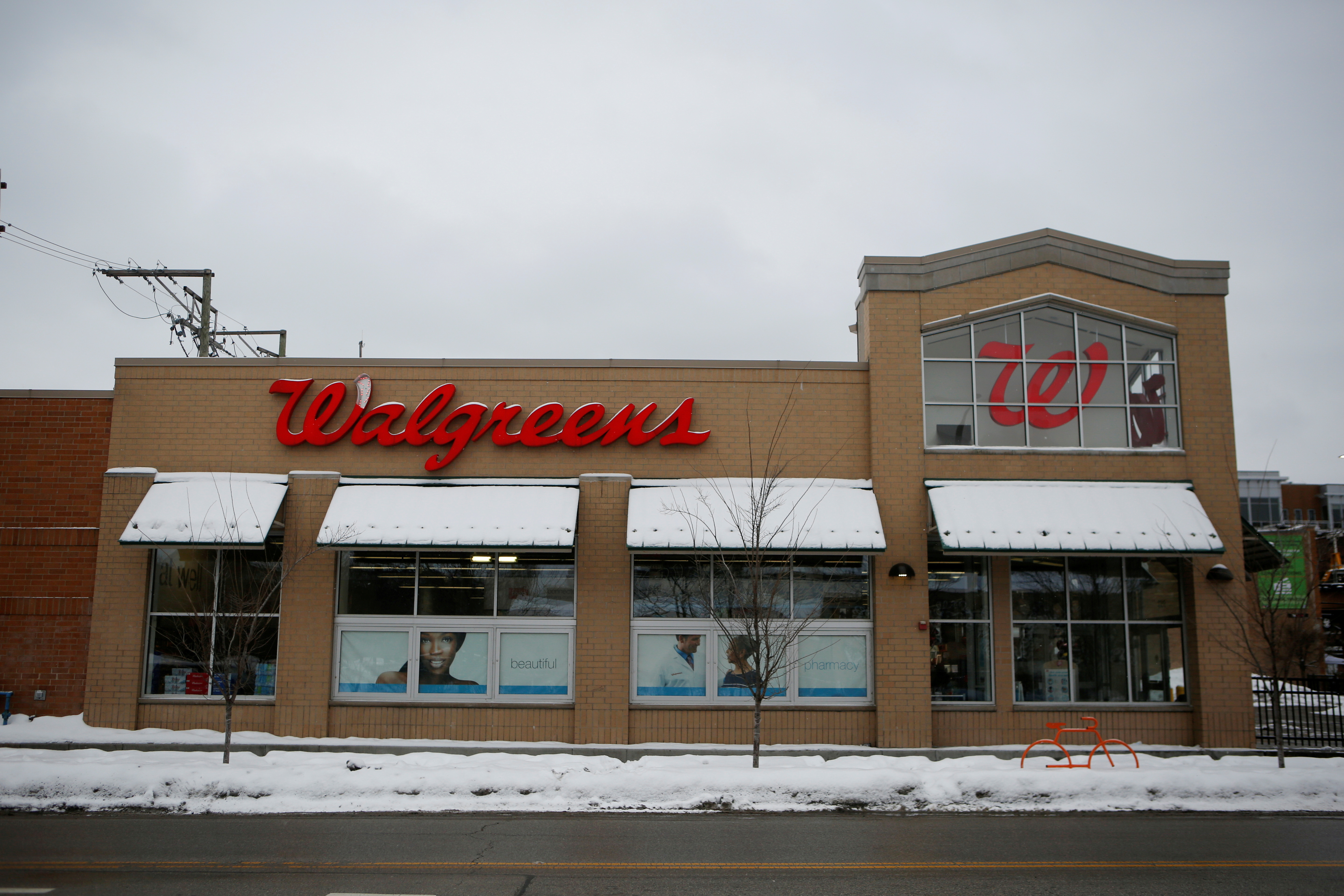 A Walgreens store is seen in Chicago, Illinois, U.S. February 11, 2021.  REUTERS/Eileen T. Meslar/File Photo