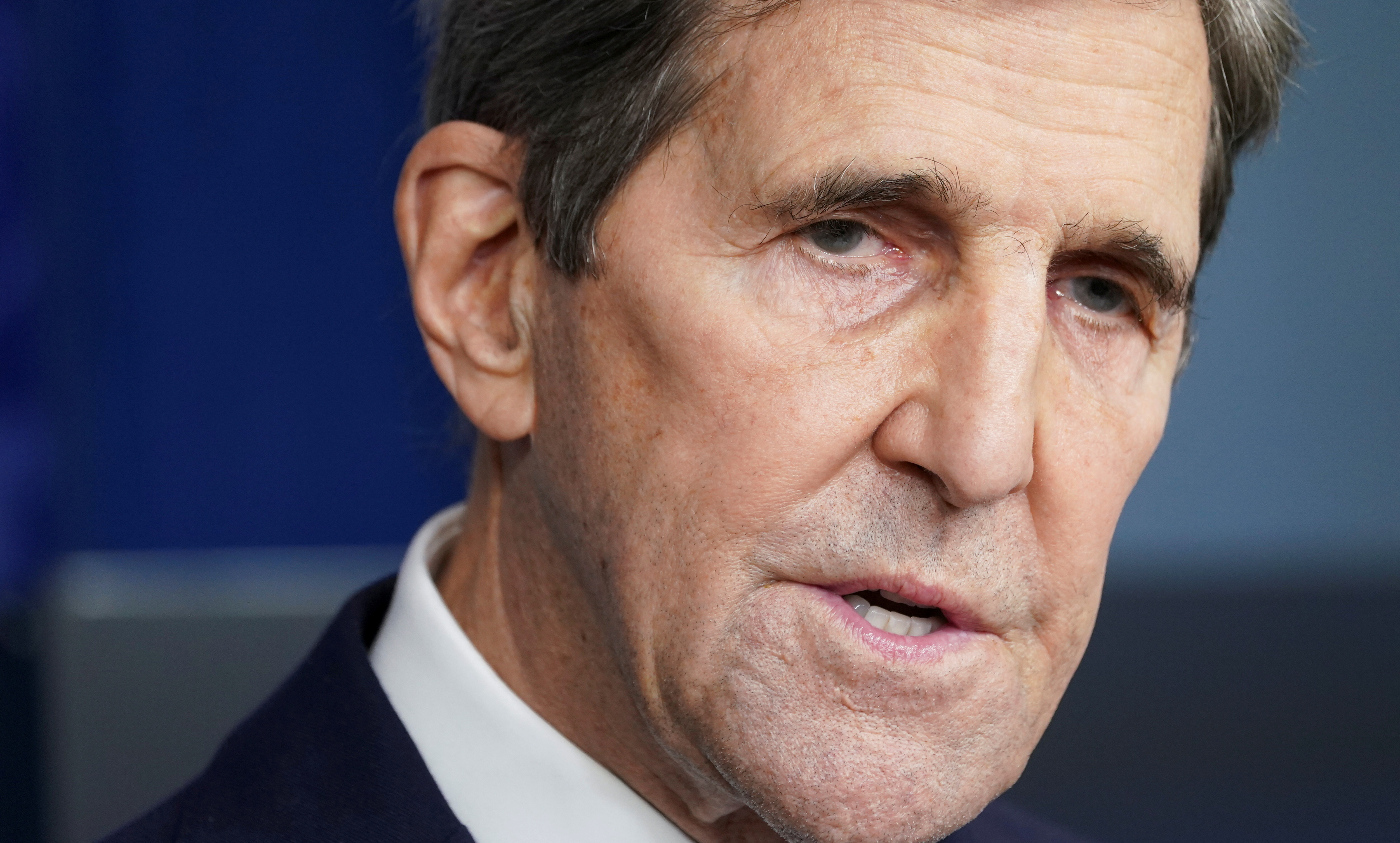 U.S. climate envoy John Kerry speaks at a press briefing at the White House in Washington, U.S., January 27, 2021.  REUTERS/Kevin Lamarque/File Photo