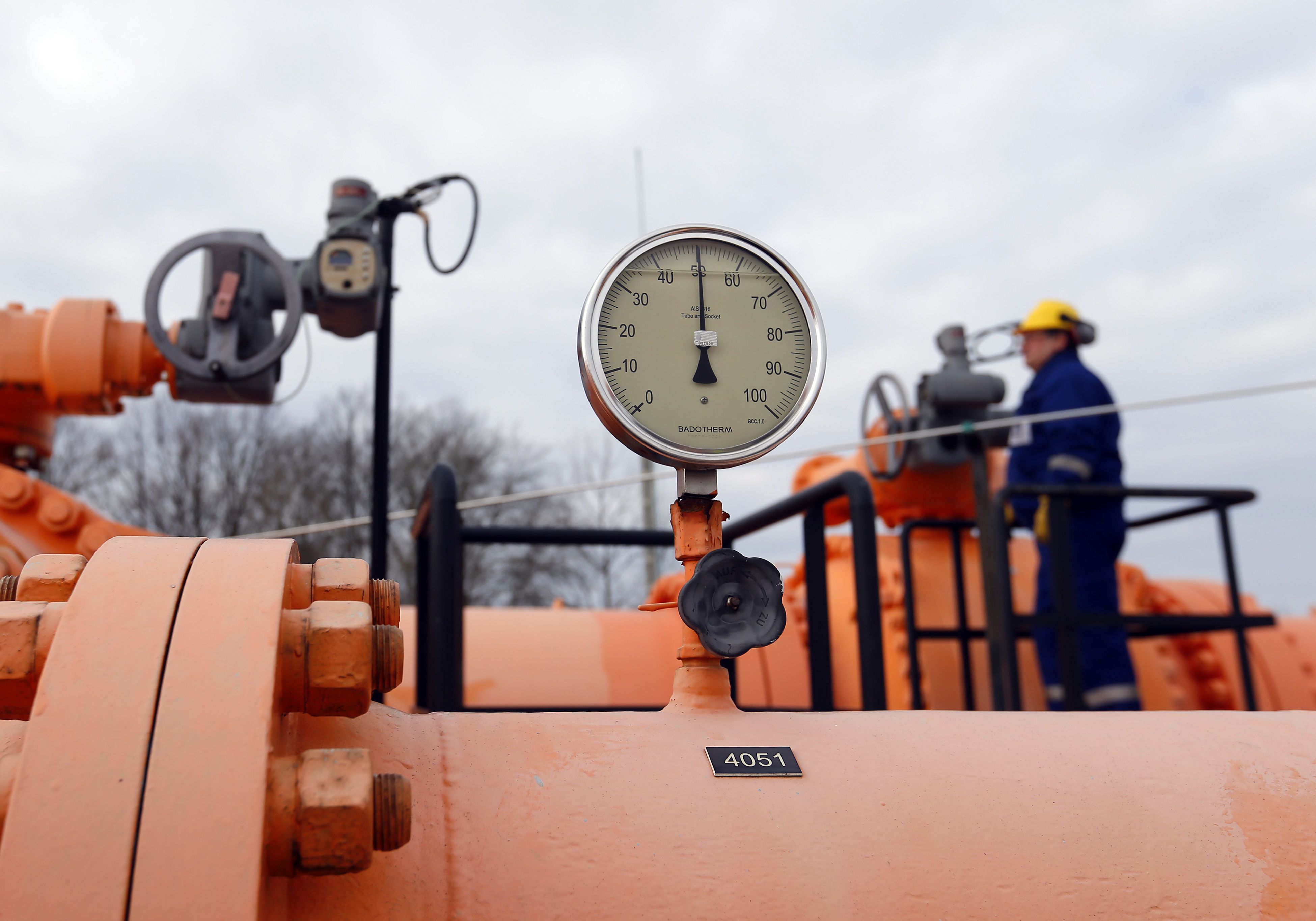 An engineer checks the gas distribution system in Beregdaroc, one of several points where Russian gas crosses into the European Union February 10, 2015. REUTERS/Laszlo Balogh