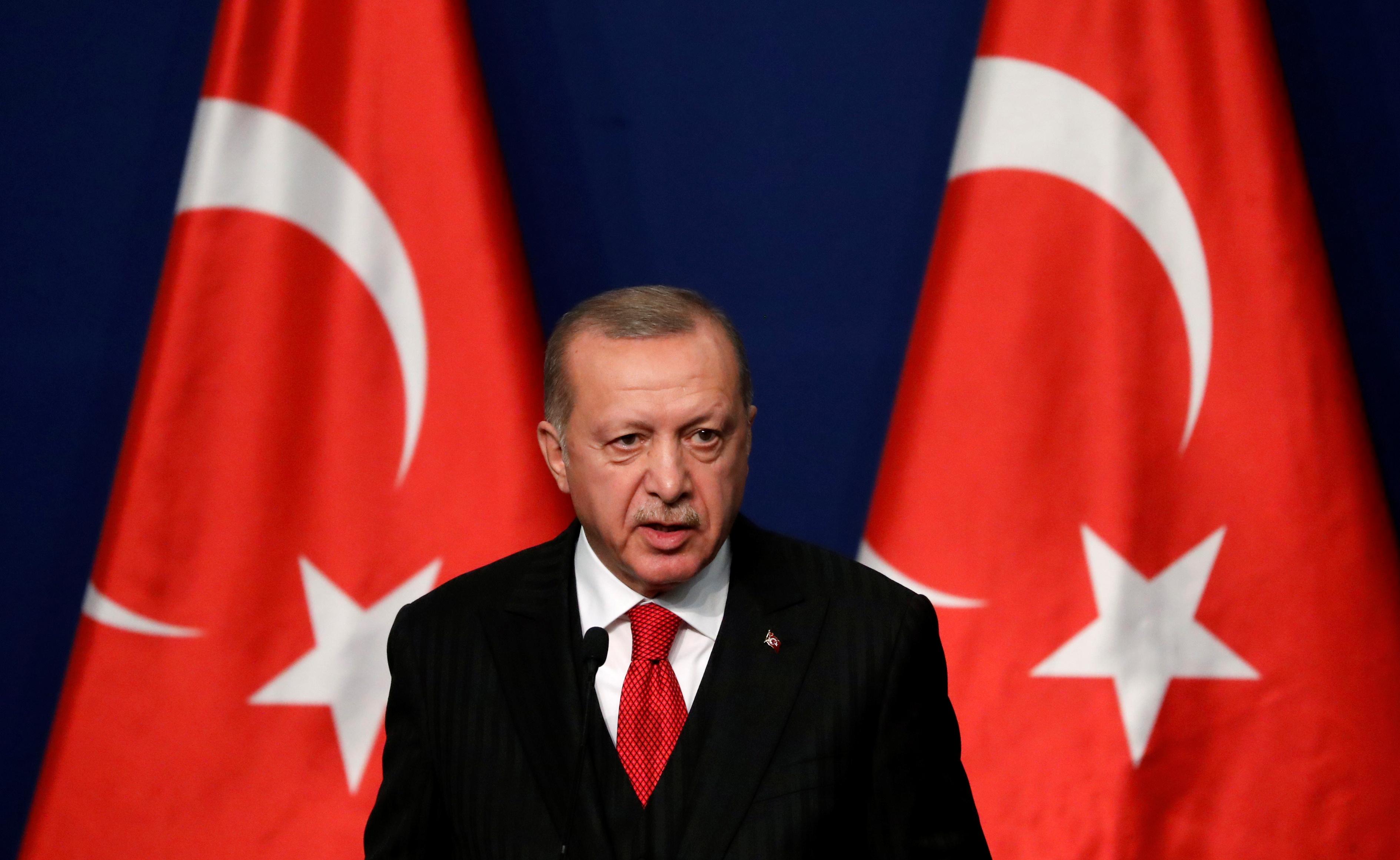 Turkish President Tayyip Erdogan attends a news conference in Budapest, Hungary, November 7, 2019. REUTERS/Bernadett Szabo