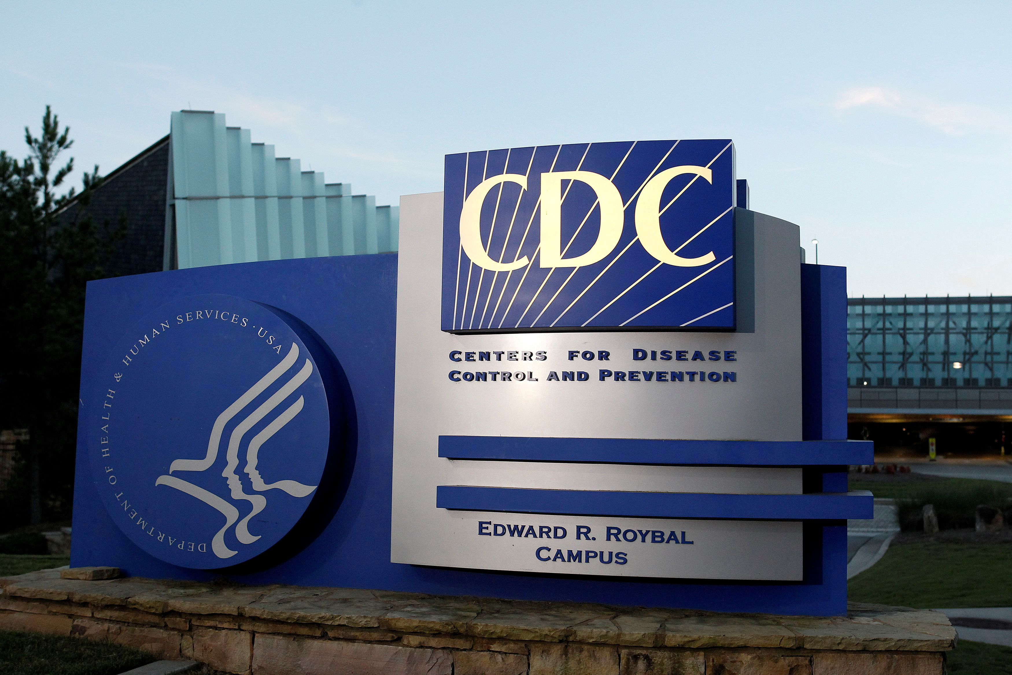 Fully vaccinated people can shed their masks in most places -U.S. CDC |  Reuters