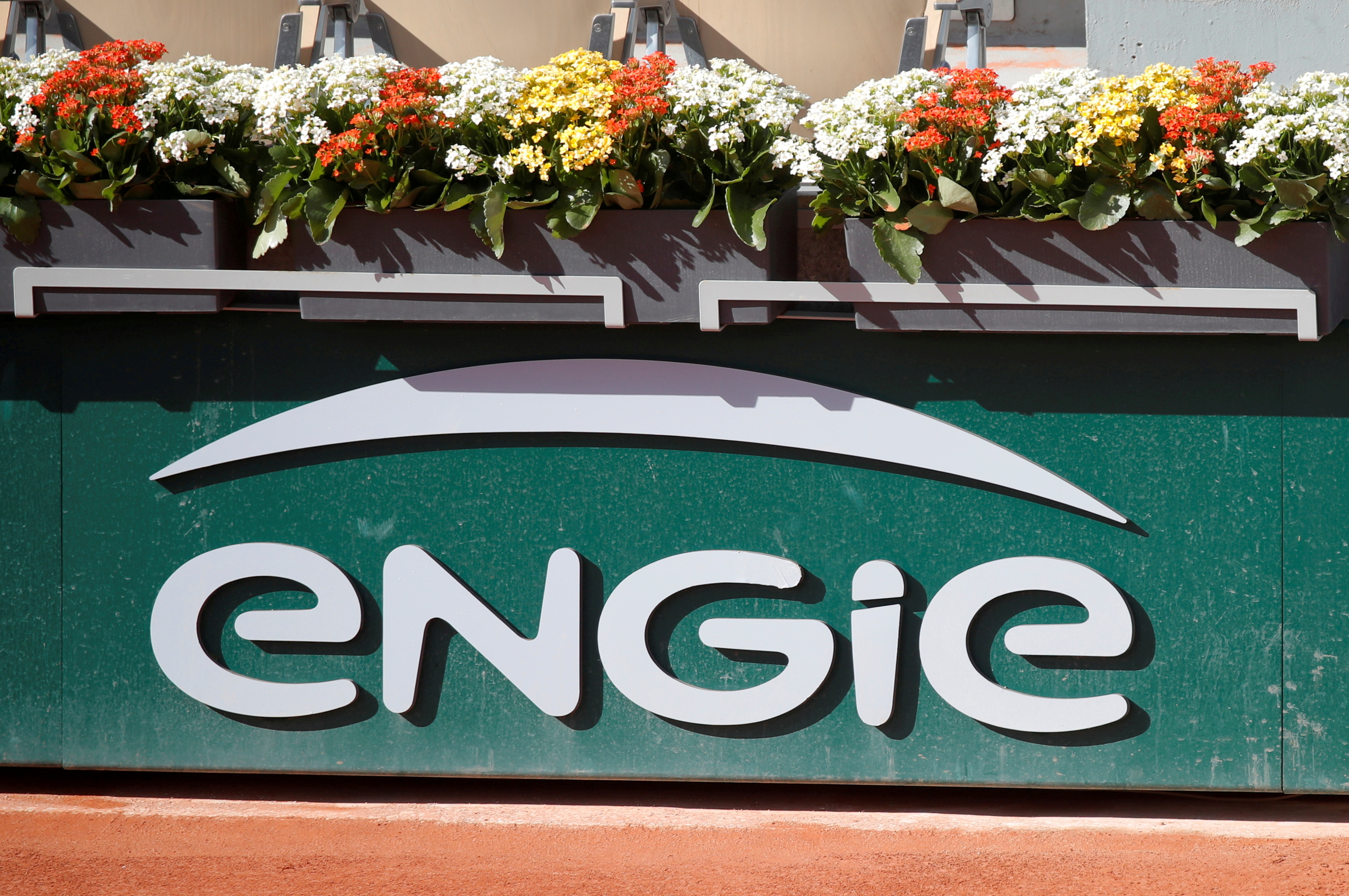 The logo of Engie is seen on central court at Roland-Garros stadium during the 2020 French tennis Open in Paris, France, October 4, 2020. REUTERS/Charles Platiau