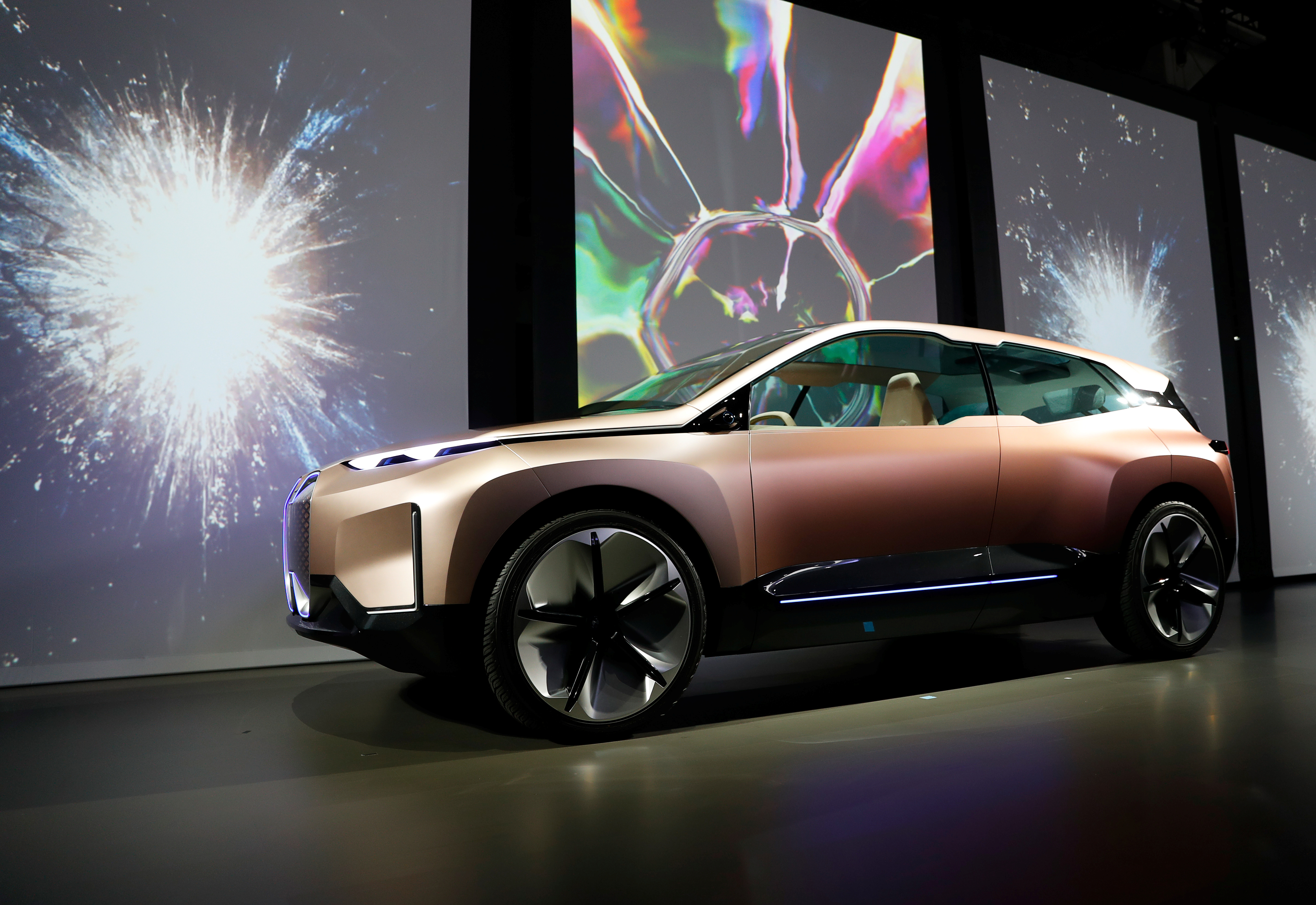 The BMW iNEXT electric autonomous concept car is introduced during a BMW press conference at the Los Angeles Auto Show in Los Angeles, California, U.S. November 28, 2018. REUTERS/Mike Blake/File Photo