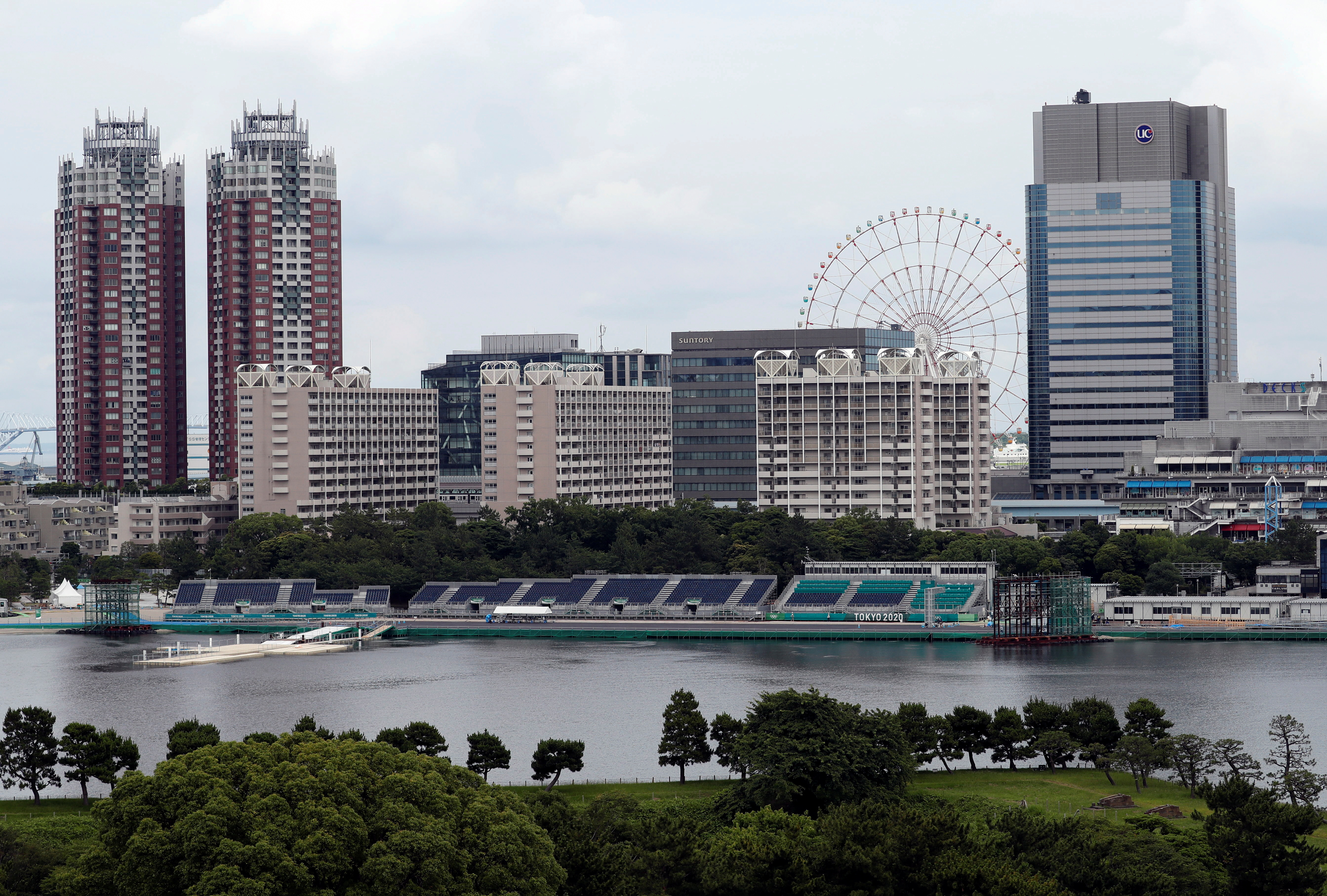 A general view shows Odaiba Marine Park, the venue for Marathon Swimming and Triathlon events during the Tokyo 2020 Olympic Games that have been postponed to 2021 due to the coronavirus disease (COVID-19) outbreak, in Tokyo, Japan June 22, 2021.  REUTERS/Issei Kato