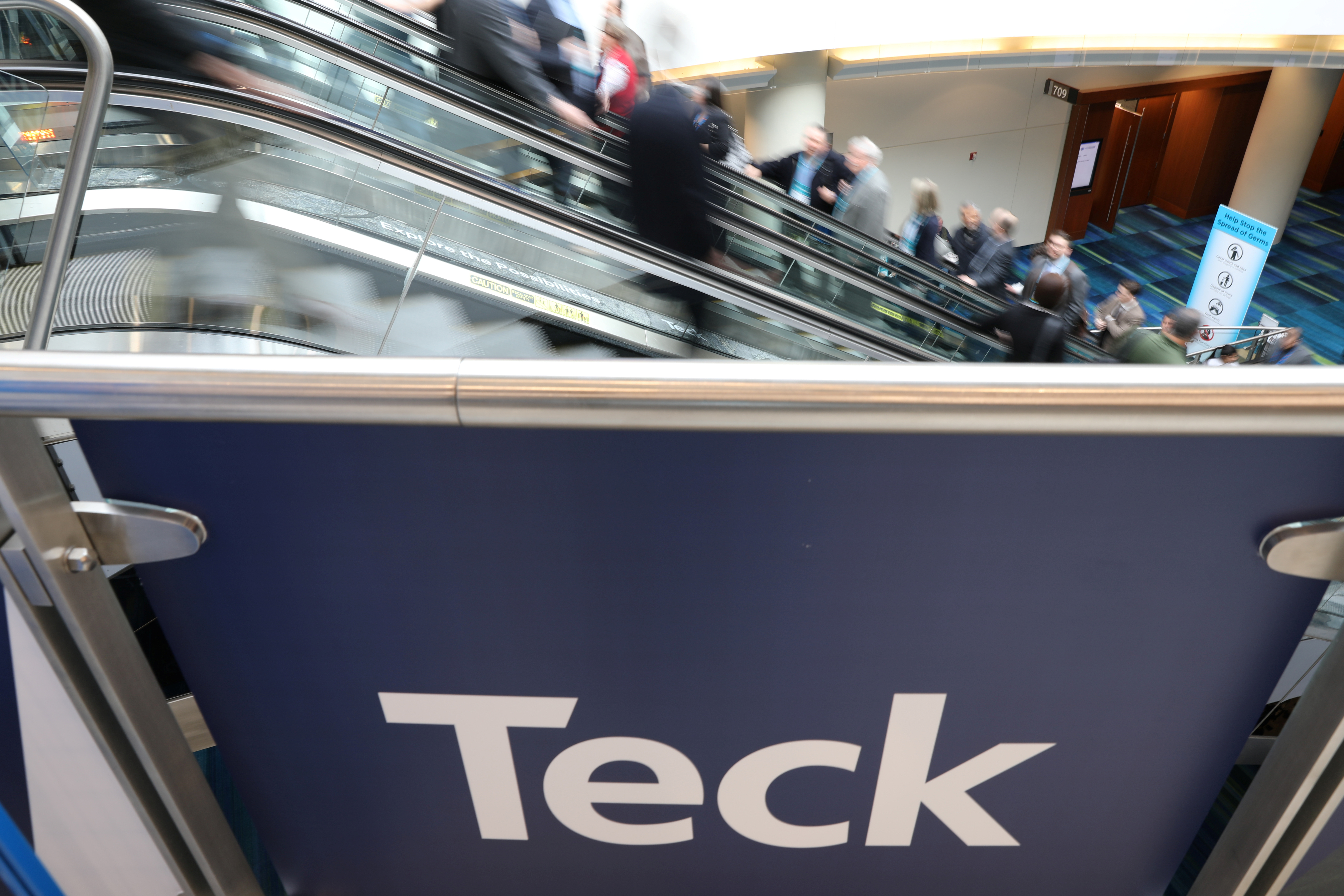 Visitors pass a sign of sponsor Teck Resources at the Prospectors and Developers Association of Canada (PDAC) annual conference in Toronto, Ontario, Canada March 1, 2020.  REUTERS/Chris Helgren