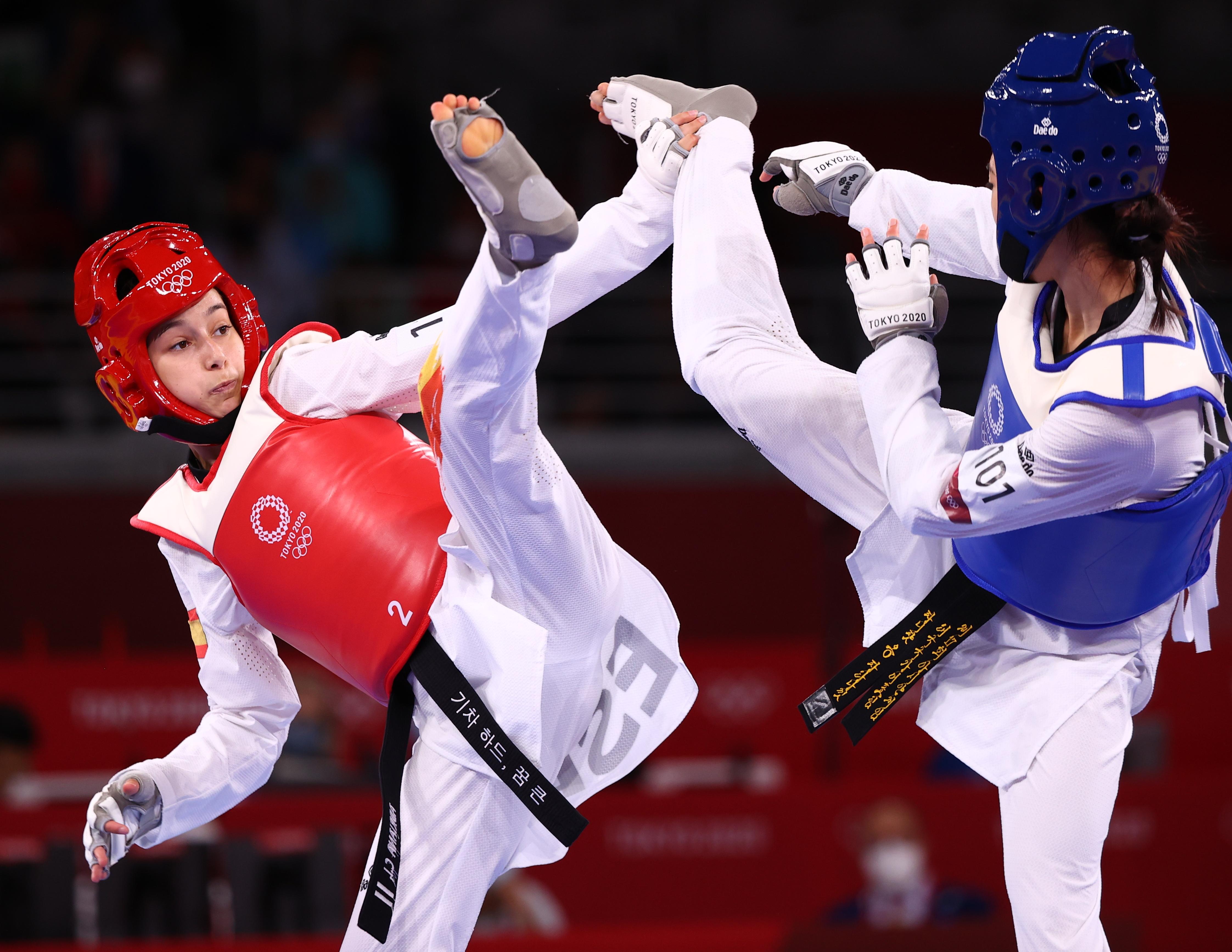 Tokyo 2020 Olympics - Taekwondo - Women's Flyweight - 49kg - Gold medal match - Makuhari Messe Hall A, Chiba, Japan - July 24, 2021. Adriana Cerezo Iglesias of Spain in action against Panipak Wongphatthanakit of Thailand REUTERS/Murad Sezer