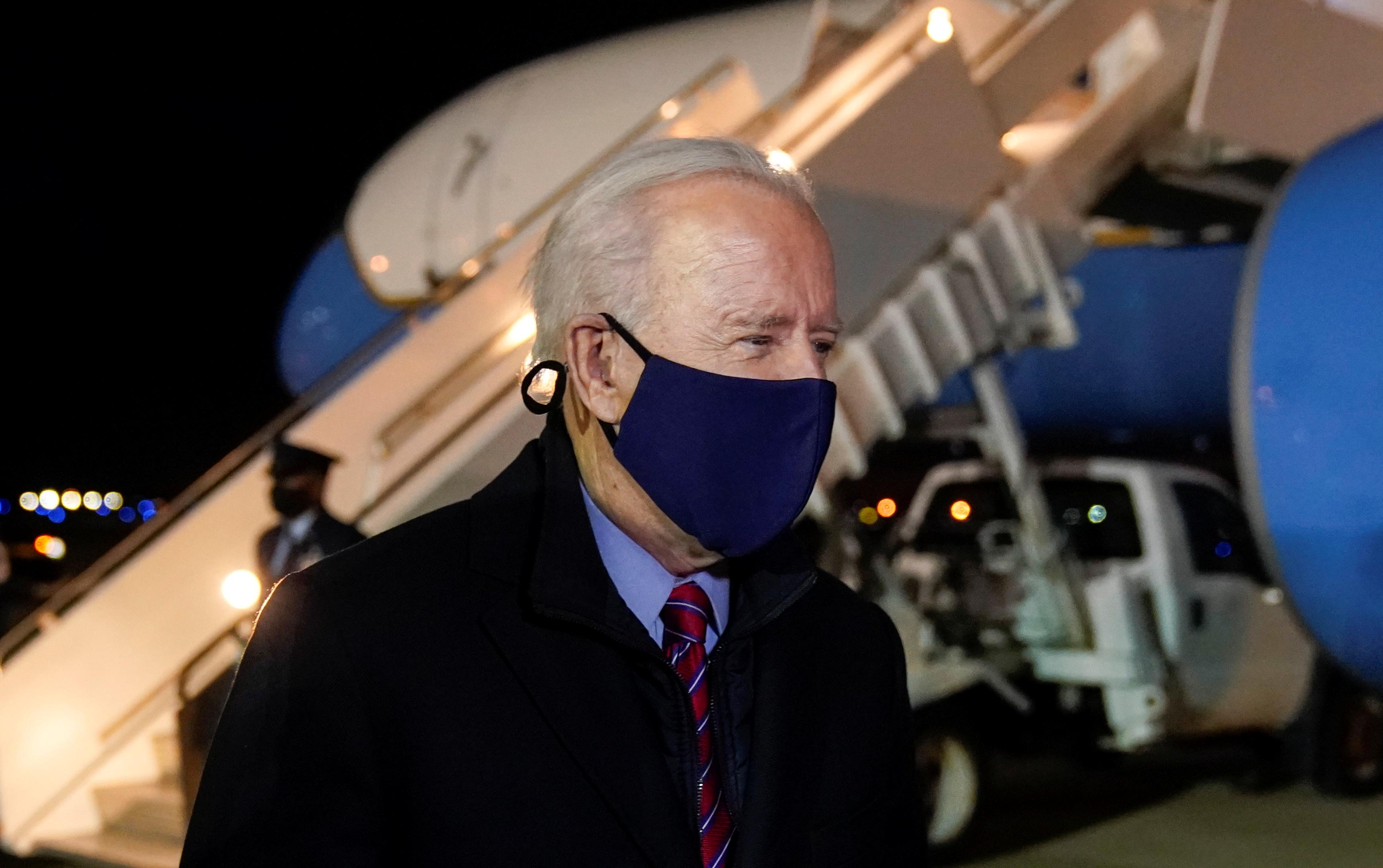 U.S. President Joe Bidenwears a face mask as he arrives at Newcastle, Delaware U.S., February 5, 2021. REUTERS/Joshua Roberts