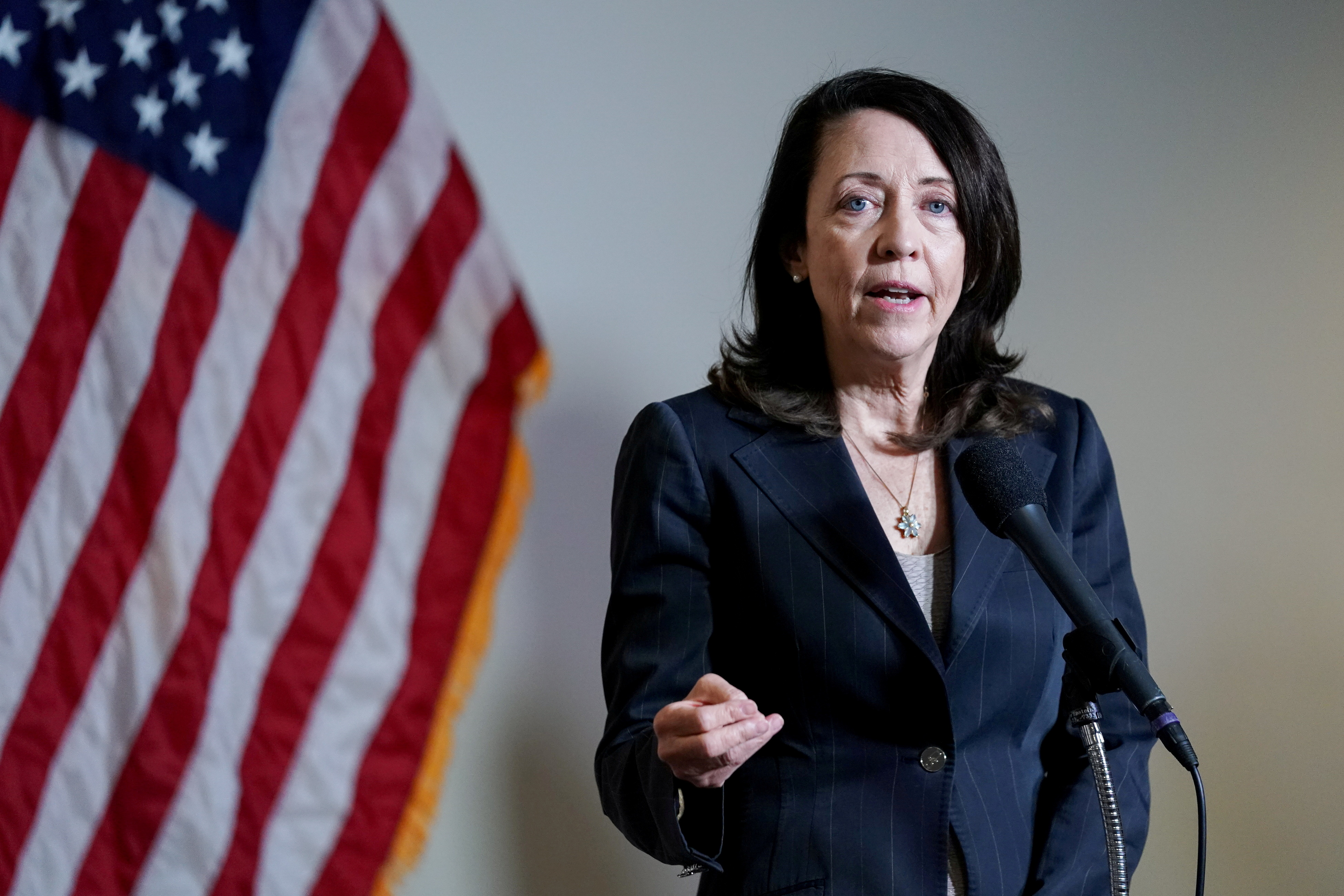 U.S. Sen. Maria Cantwell (D-WA) speaks during a news conference after the first Democratic luncheon meeting since COVID-19 restrictions went into effect on Capitol Hill in Washington, U.S. April 13, 2021. REUTERS/Erin Scott/File Photo