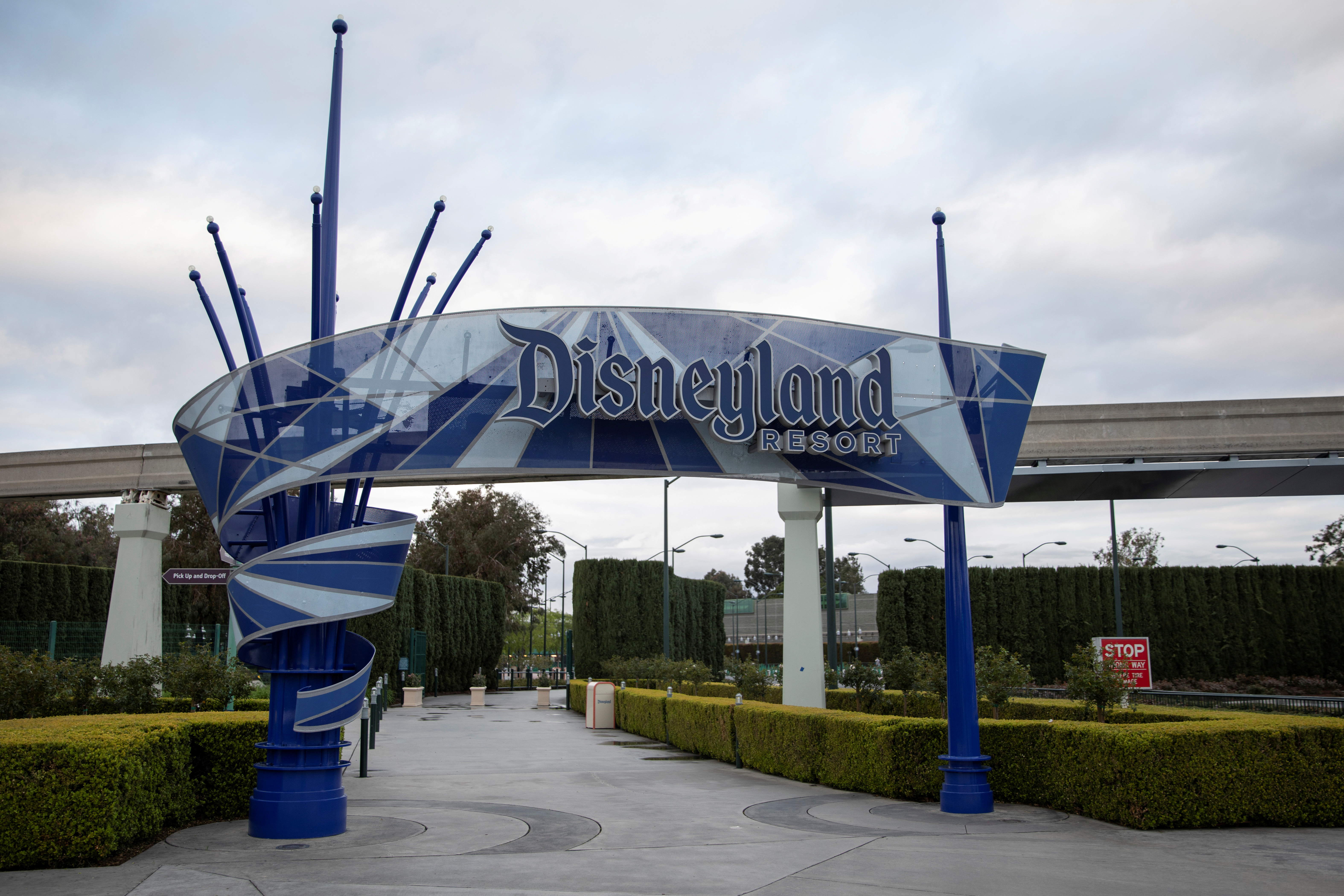 Walt Disney Co's  Disneyland and California Adventure theme parks in Southern California are now closed due to the global outbreak ofcoronavirus in Anaheim, California, U.S., March 14, 2020. REUTERS/Mike Blake