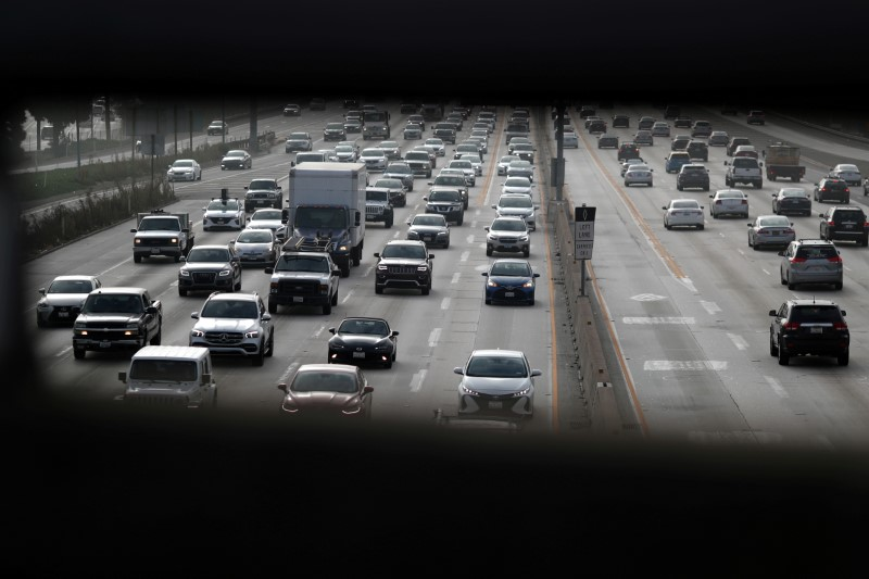 Morning traffic drives on the 405 freeway in Los Angeles, California, U.S., November 12, 2019. REUTERS/Lucy Nicholson
