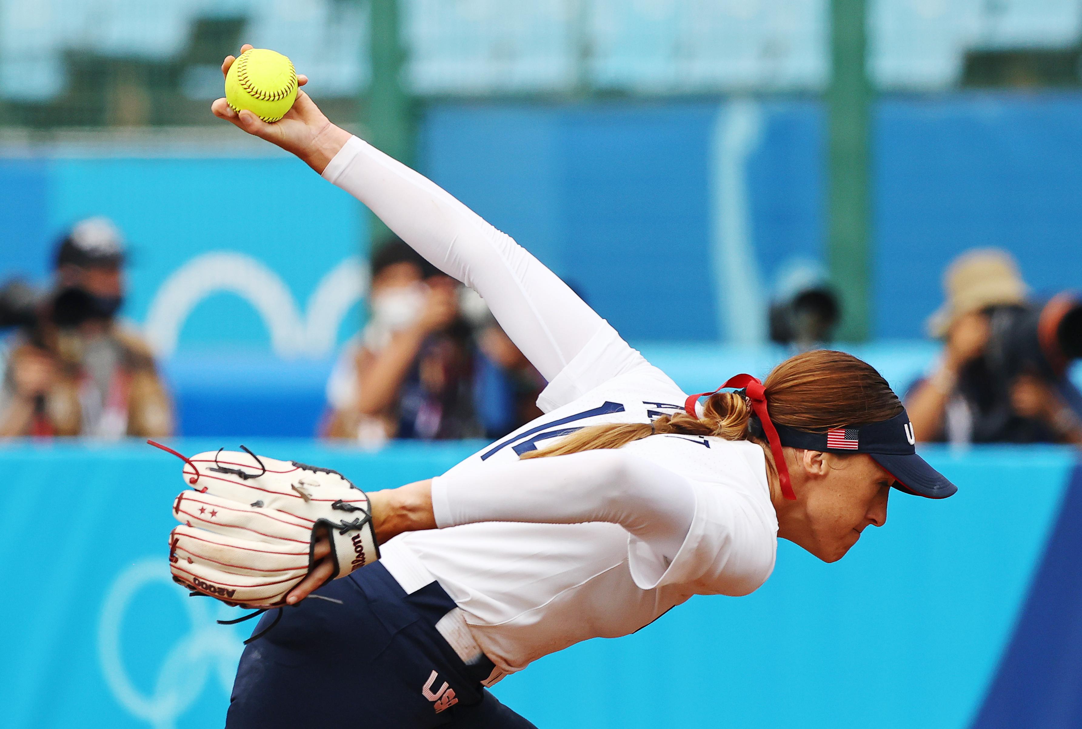 Tokyo 2020 Olympics - Softball - Women - Opening Round - United States v Canada - Fukushima Azuma Baseball Stadium - Fukushima, Japan - July 22, 2021. Monica Abbott of the United States in action. REUTERS/Jorge Silva