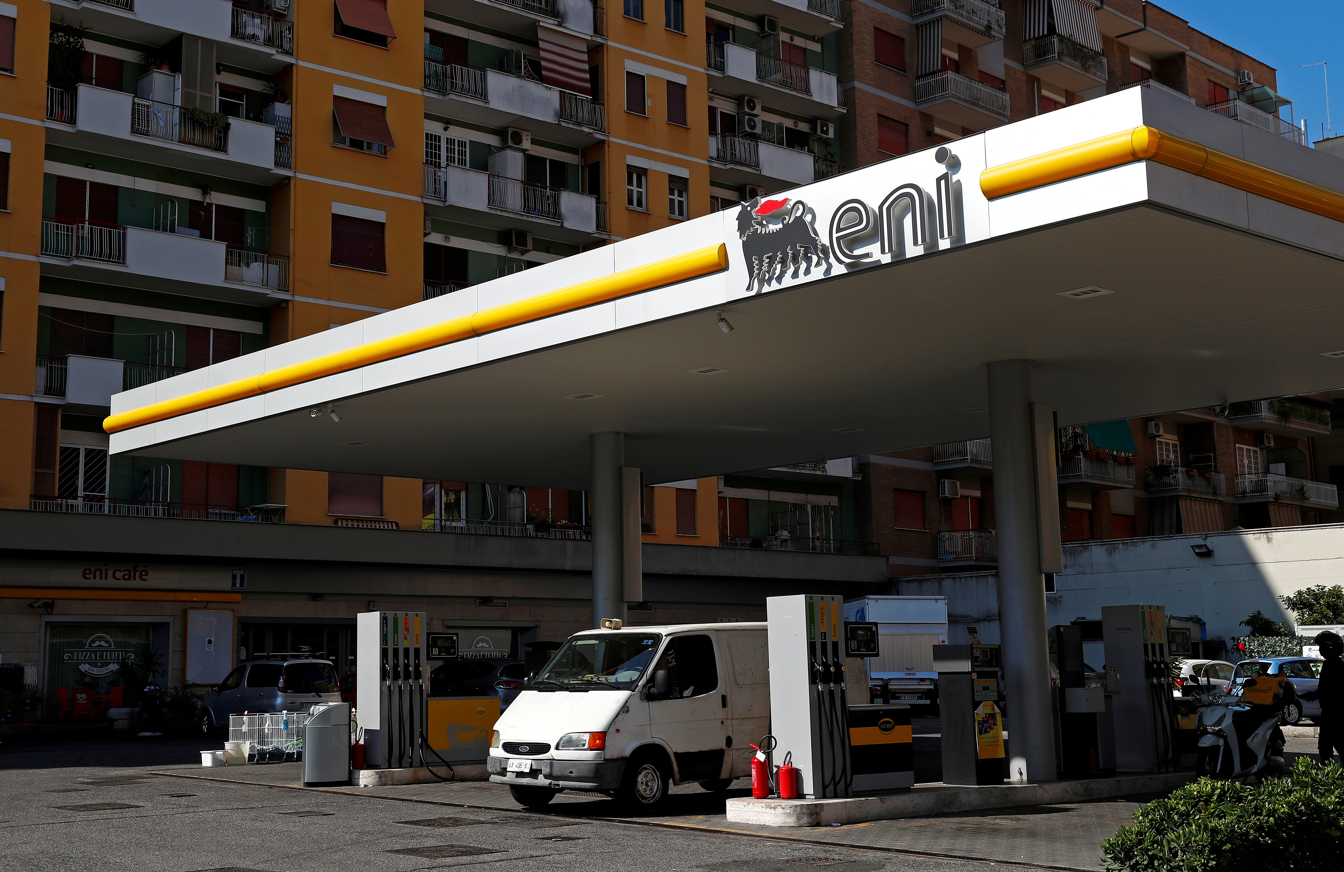 The logo of Italian energy company Eni is seen at a gas station in Rome, Italy August 16, 2018.  REUTERS/Max Rossi