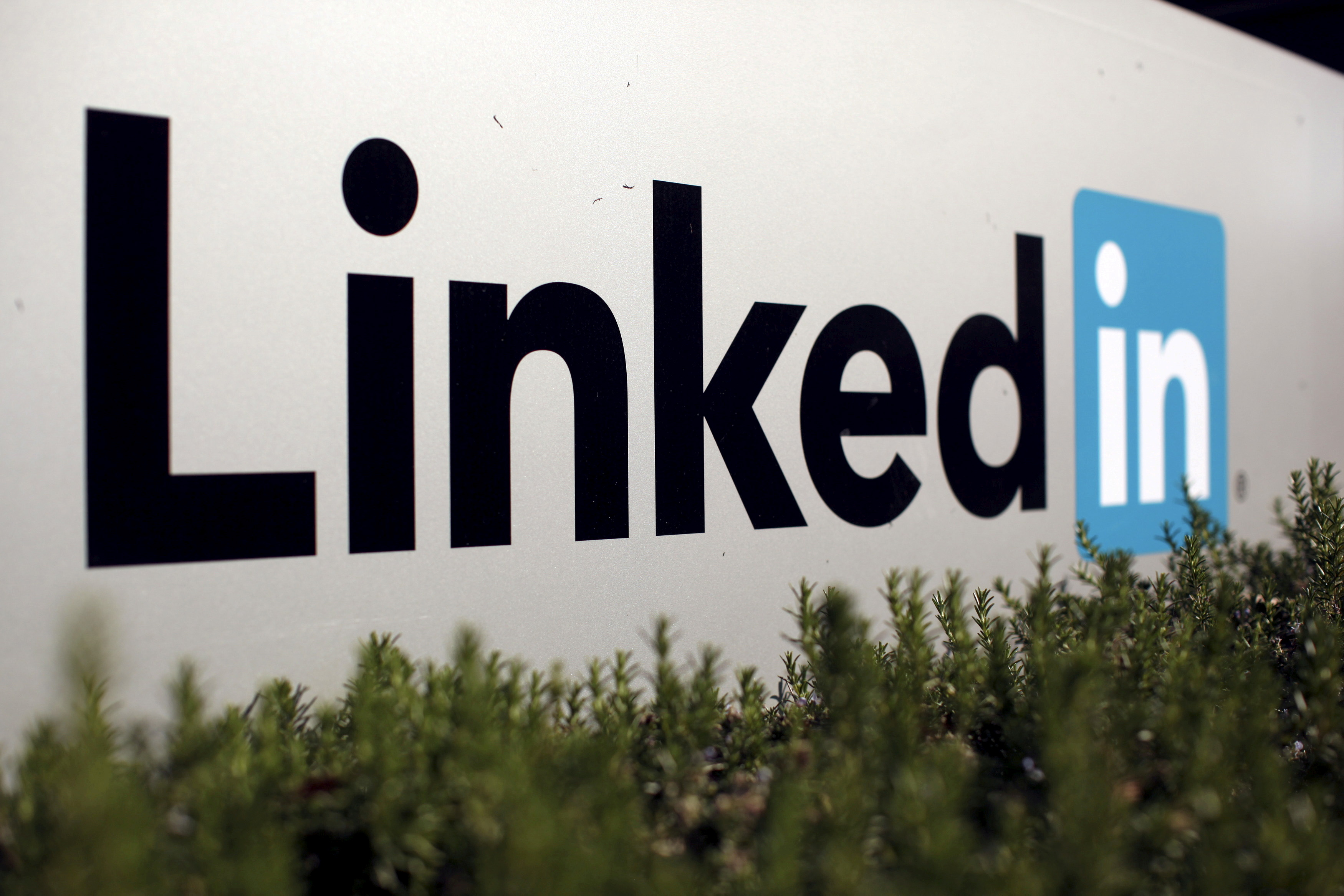 The logo for LinkedIn Corporation is shown in Mountain View, California, U.S. February 6, 2013.   REUTERS/Robert Galbraith//File Photo