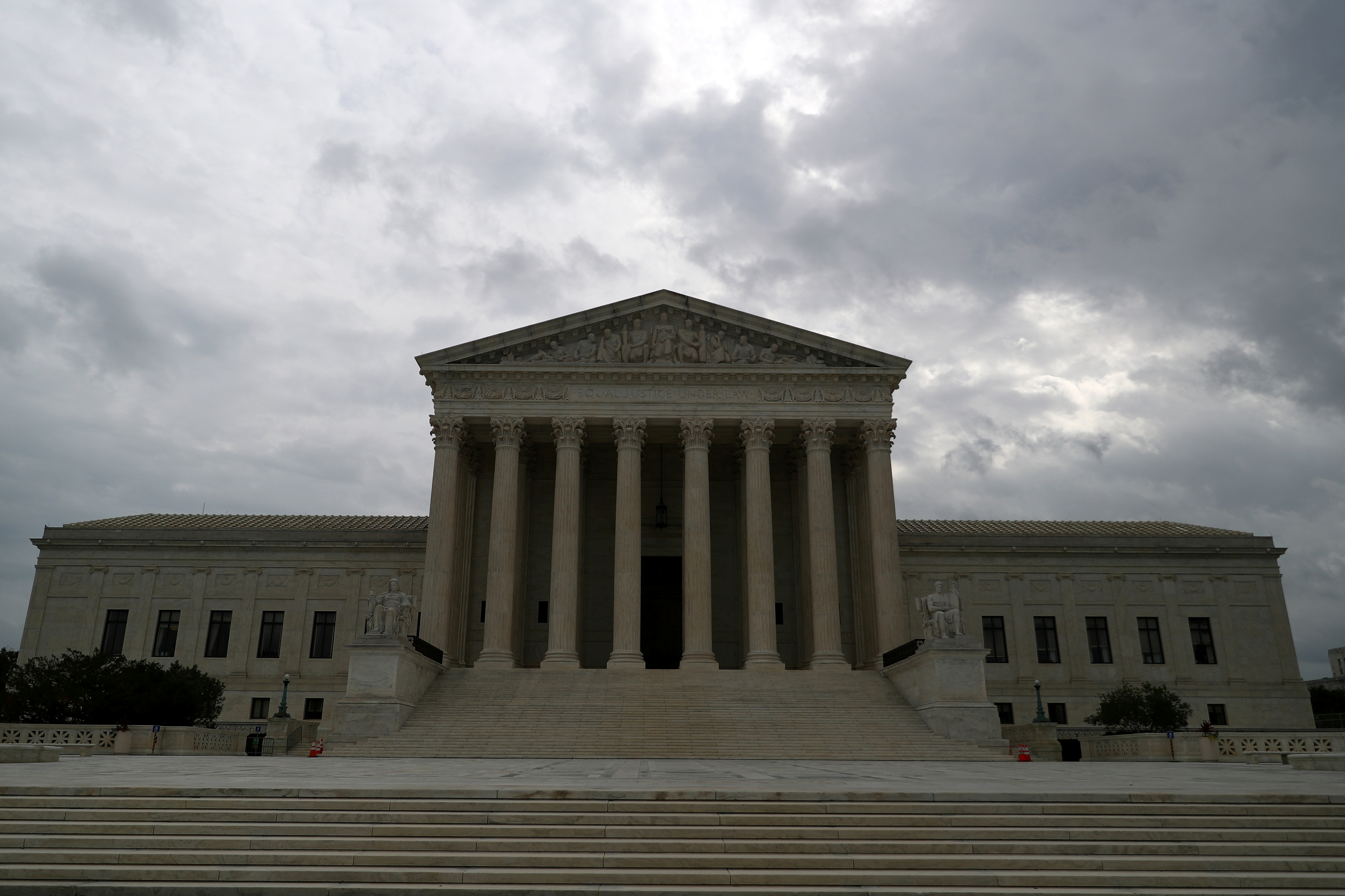 The U.S. Supreme Court in Washington, September 1, 2021.  REUTERS/Tom Brenner