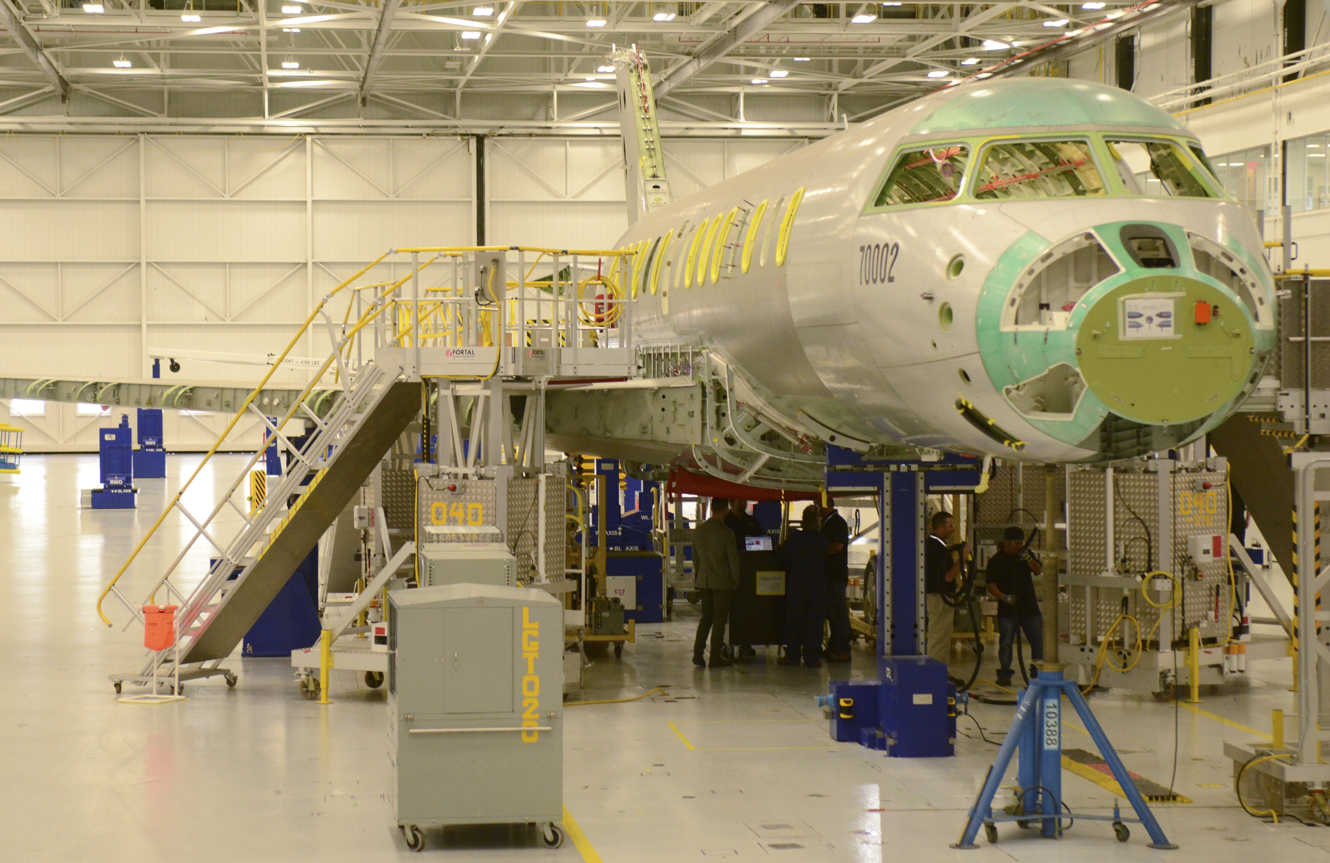 Bombardier Inc's Global 7000 business jet flight test vehicle is shown on the floor of the company's assembly line in Toronto, Ontario November 3, 2015. REUTERS/Euan Rocha