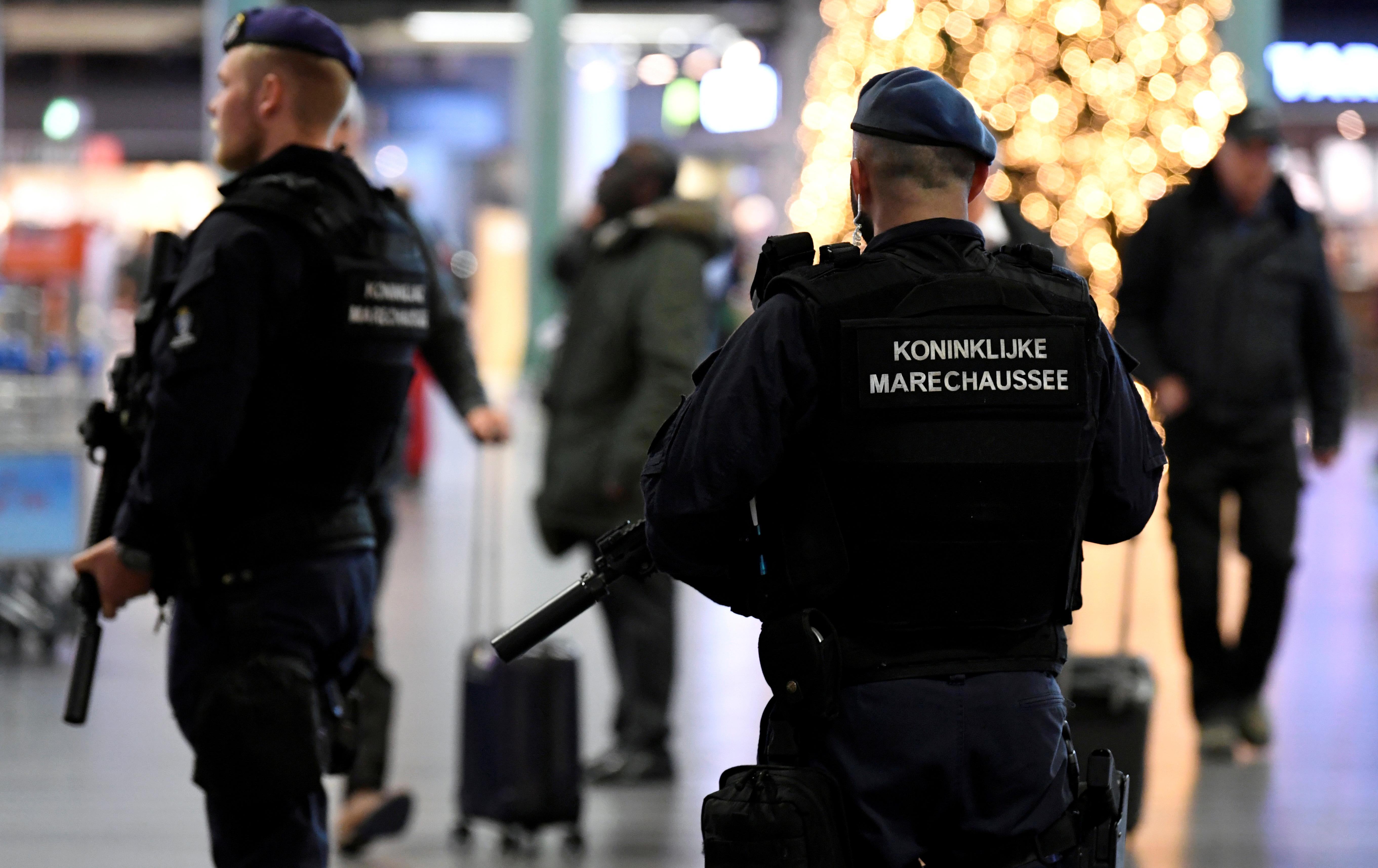 Dutch police patrol at Amsterdam's Schiphol airport, November 6, 2019.  REUTERS/Piroschka van de Wouw/File Photo