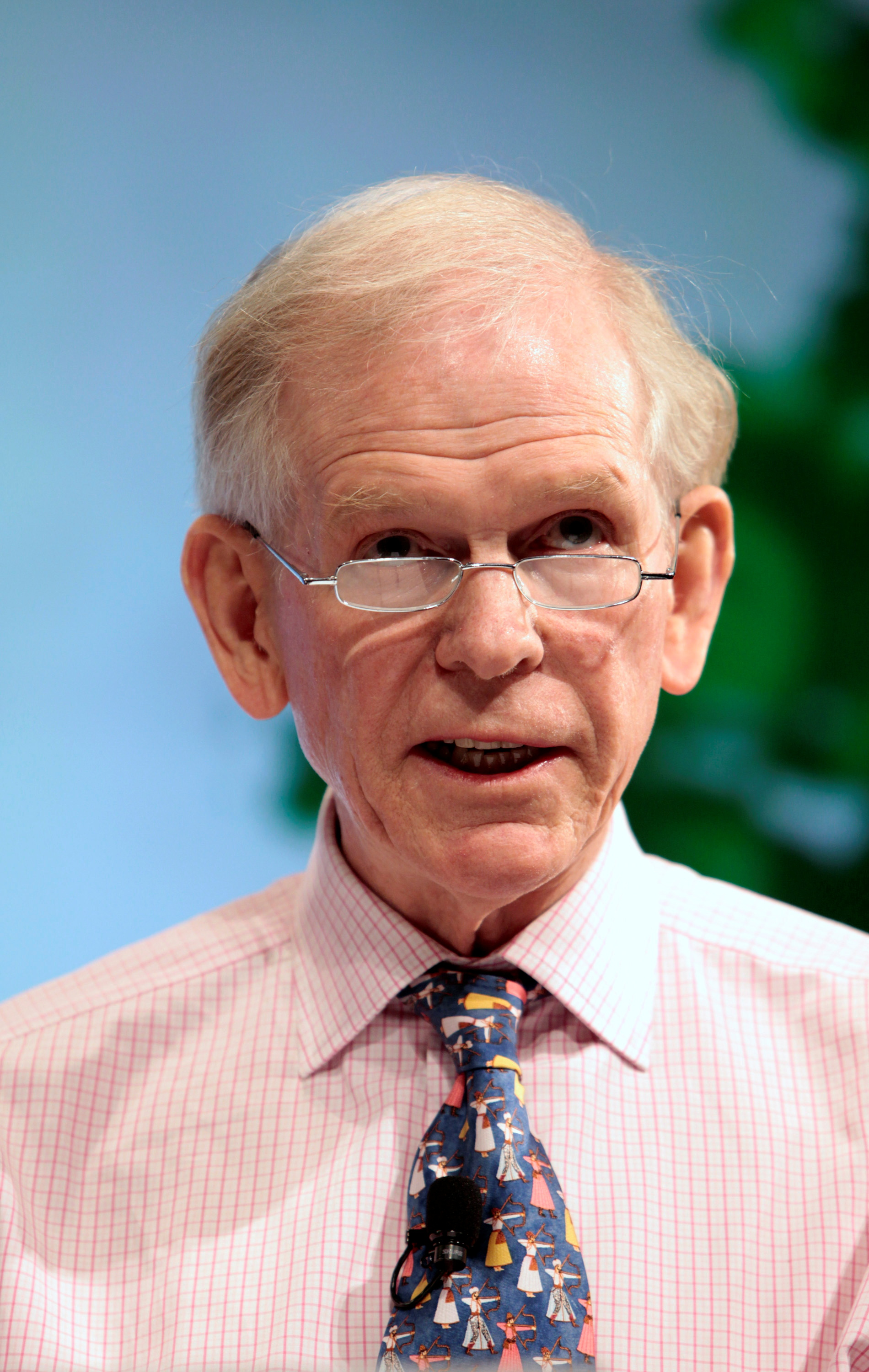 Jeremy Grantham, Co-founder and Chief Investment Strategist of GMO, speaks on financial innovation at Pace University in New York October 16, 2009. REUTERS/Nicholas Roberts/File Photo