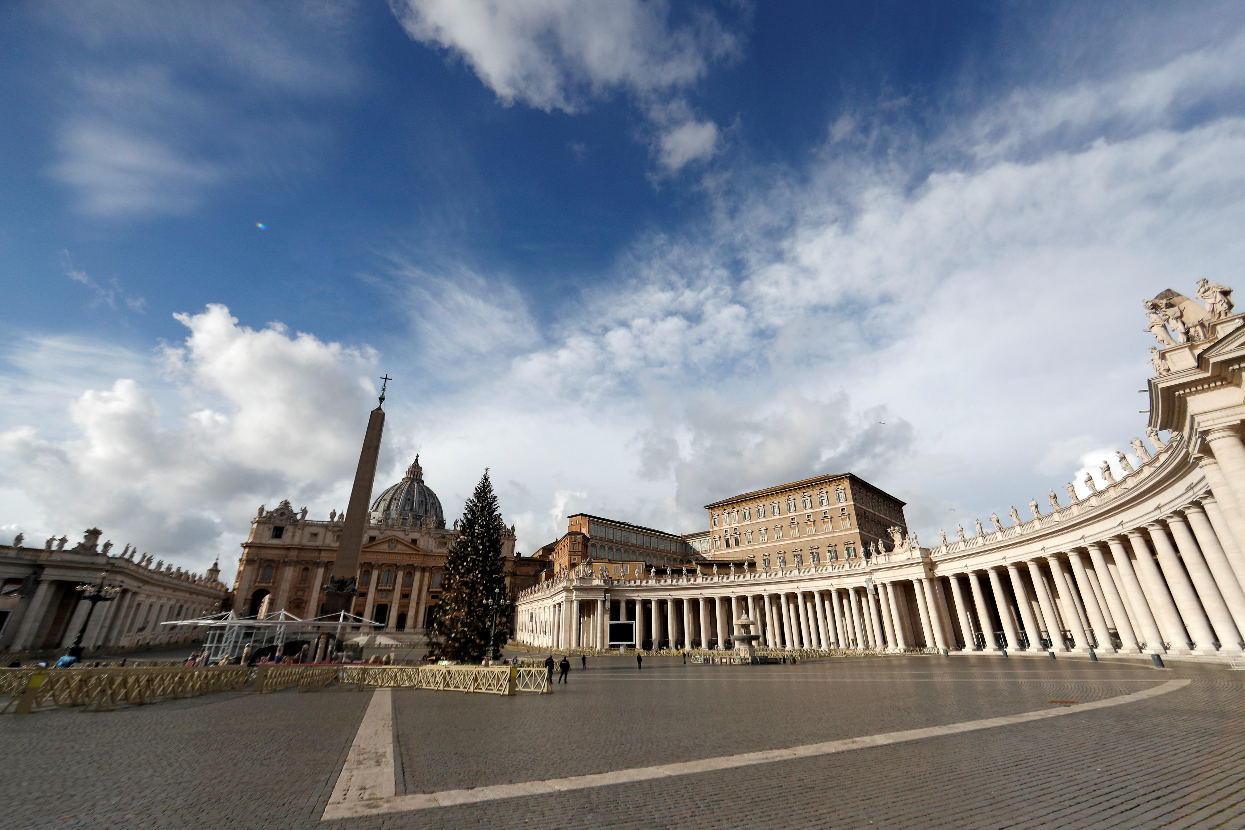 A general view of the deserted St. Peter's Square on Christmas Day amidst the coronavirus disease (COVID-19) lockdown, at the Vatican, December 25, 2020. REUTERS/Yara Nardi