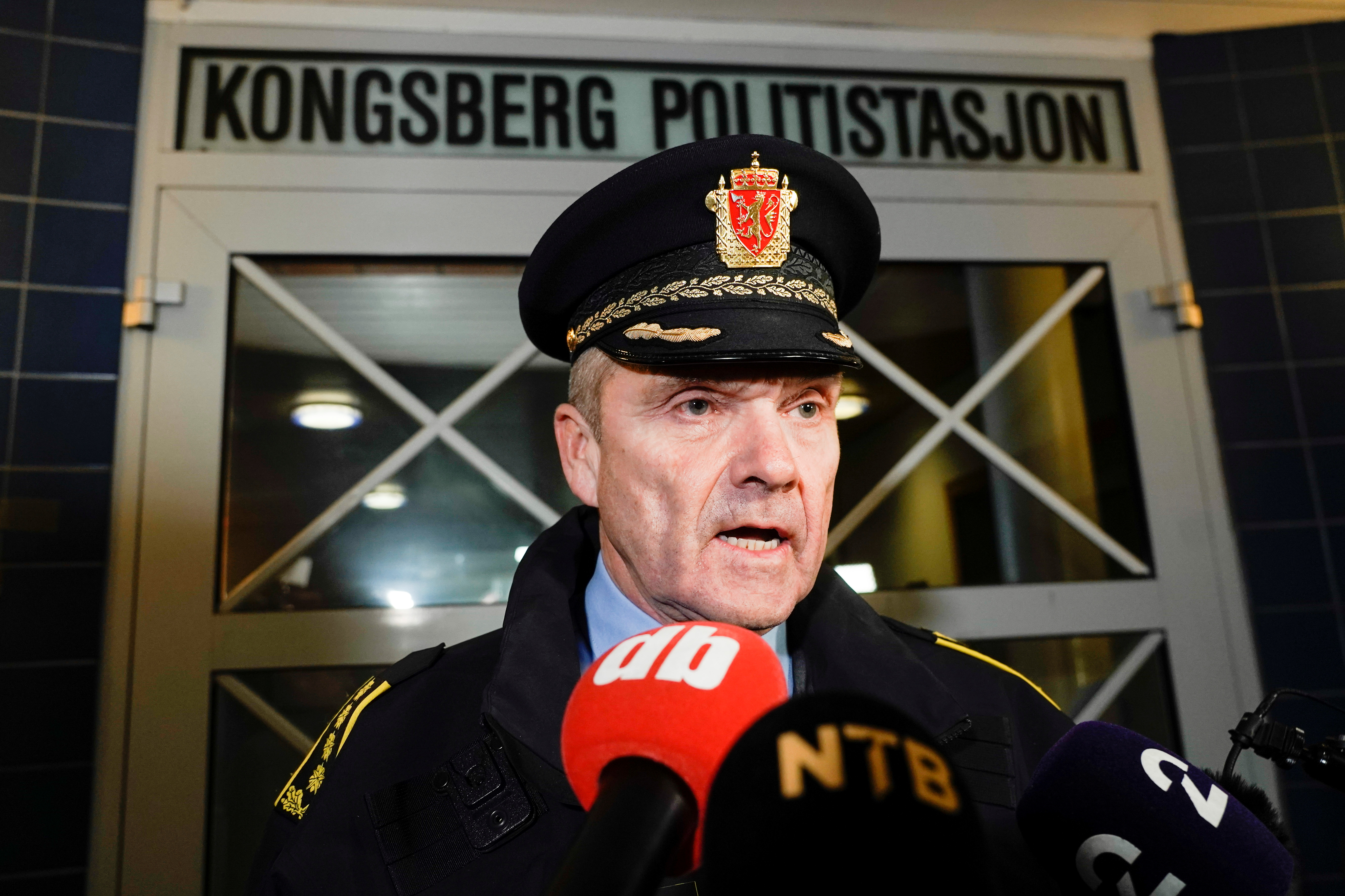 Police chief Oeyvind Aas speaks to the media after several people were killed and others were injured by a man using a bow and arrows to carry out attacks, in Kongsberg, Norway, October 13, 2021. Terje Pedersen/NTB/via REUTERS.