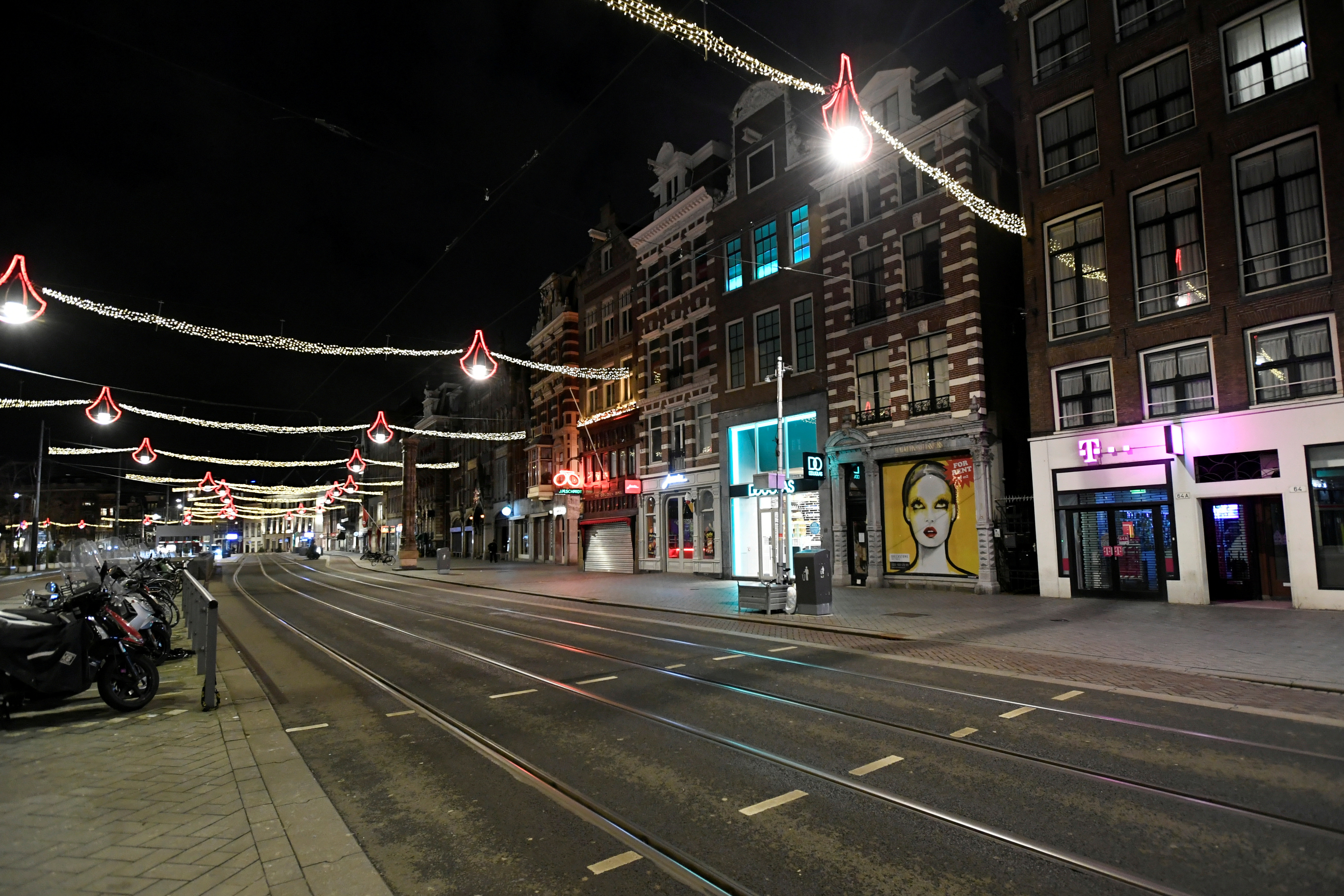 A general view shows a street during a curfew following the coronavirus disease (COVID-19) outbreak in Amsterdam, Netherlands, January 23, 2021. REUTERS/Piroschka Van De Wouw/File Photo