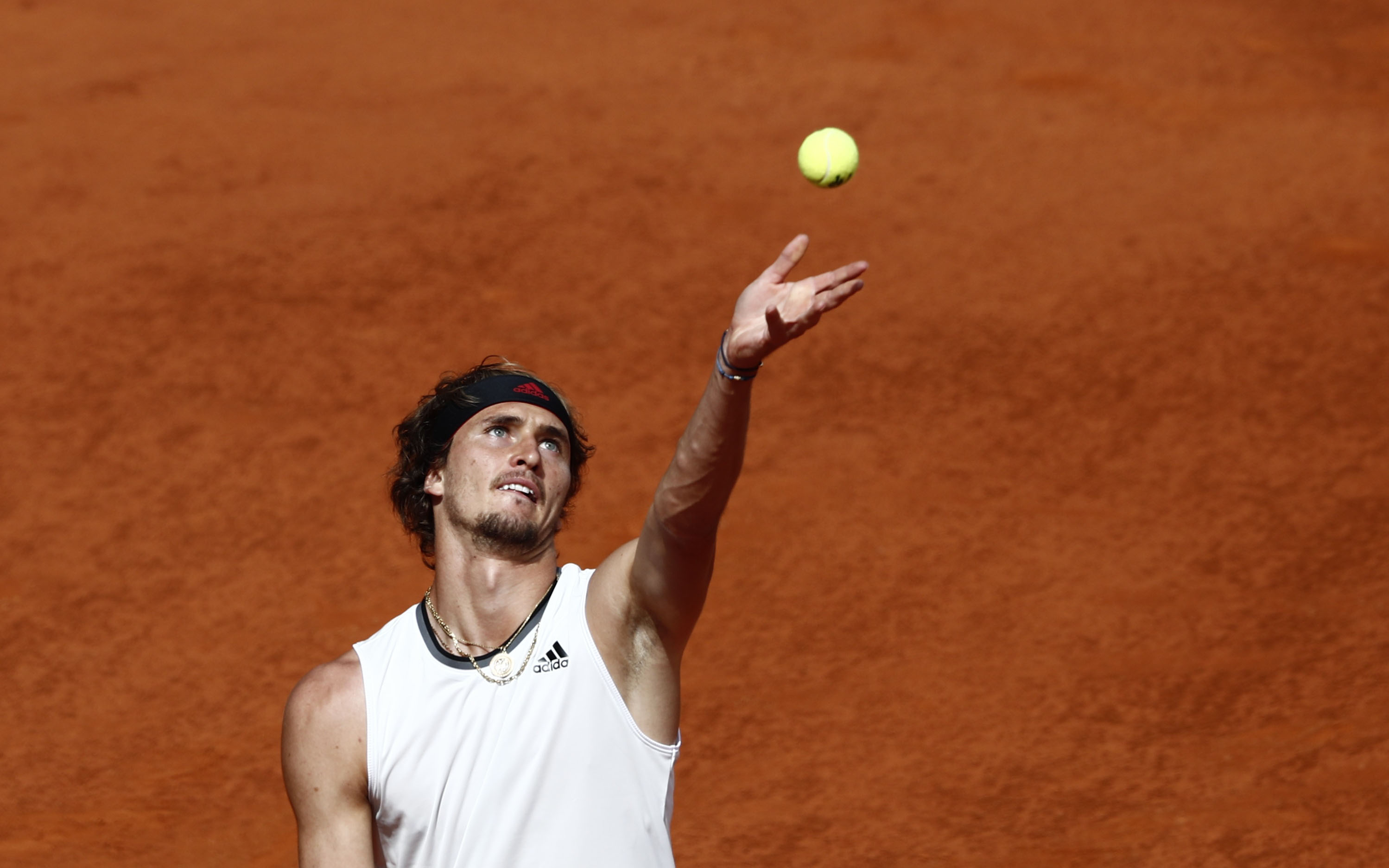 Tennis - ATP Masters 1000 - Madrid Open - Caja Magica, Madrid, Spain - May 8, 2021 Germany's Alexander Zverev in action during his semi final match against Austria's Dominic Thiem REUTERS/Sergio Perez
