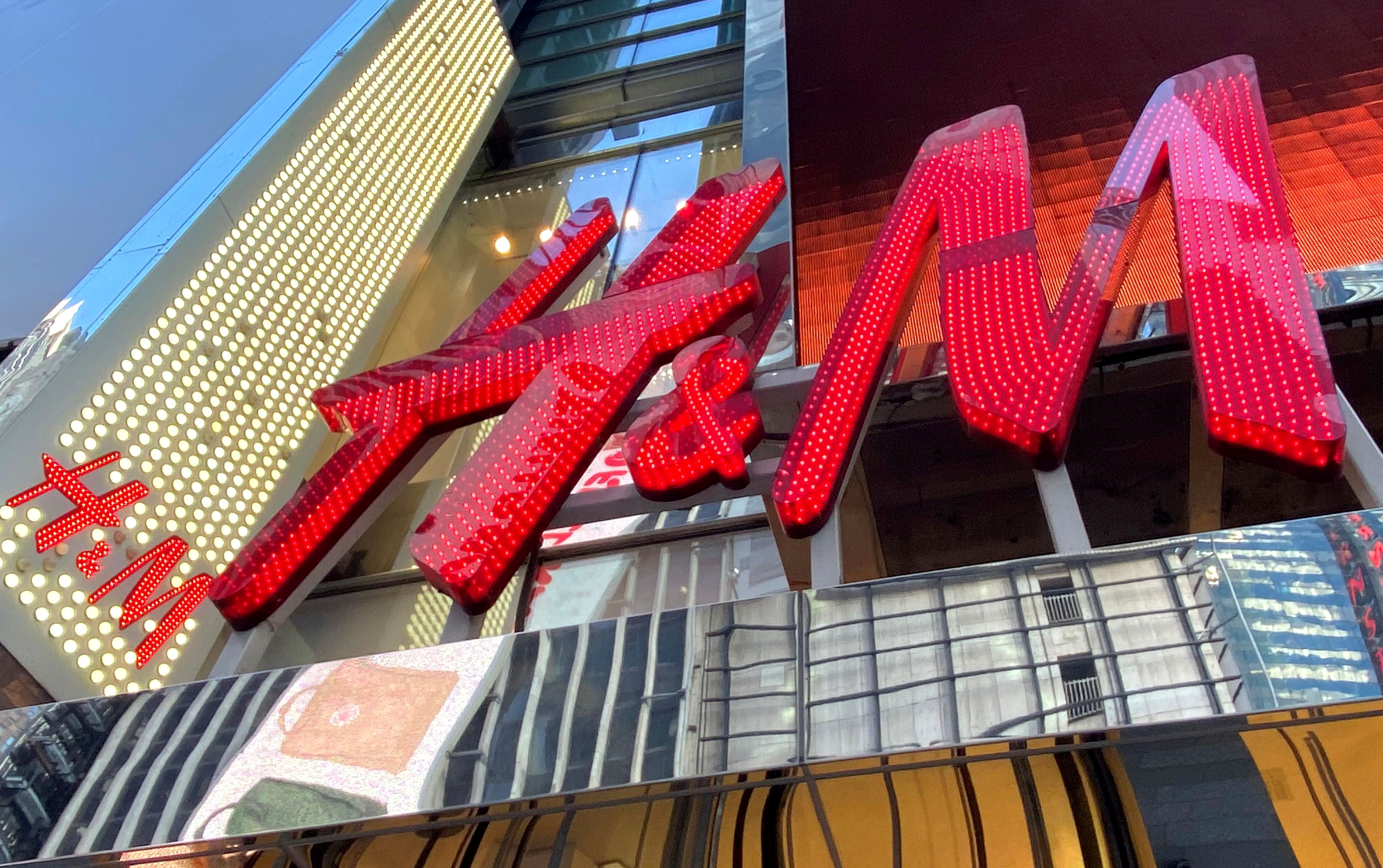 The H&M clothing store is seen in Times Square in Manhattan, New York, U.S., November 15, 2019. REUTERS/Mike Segar/File Photo