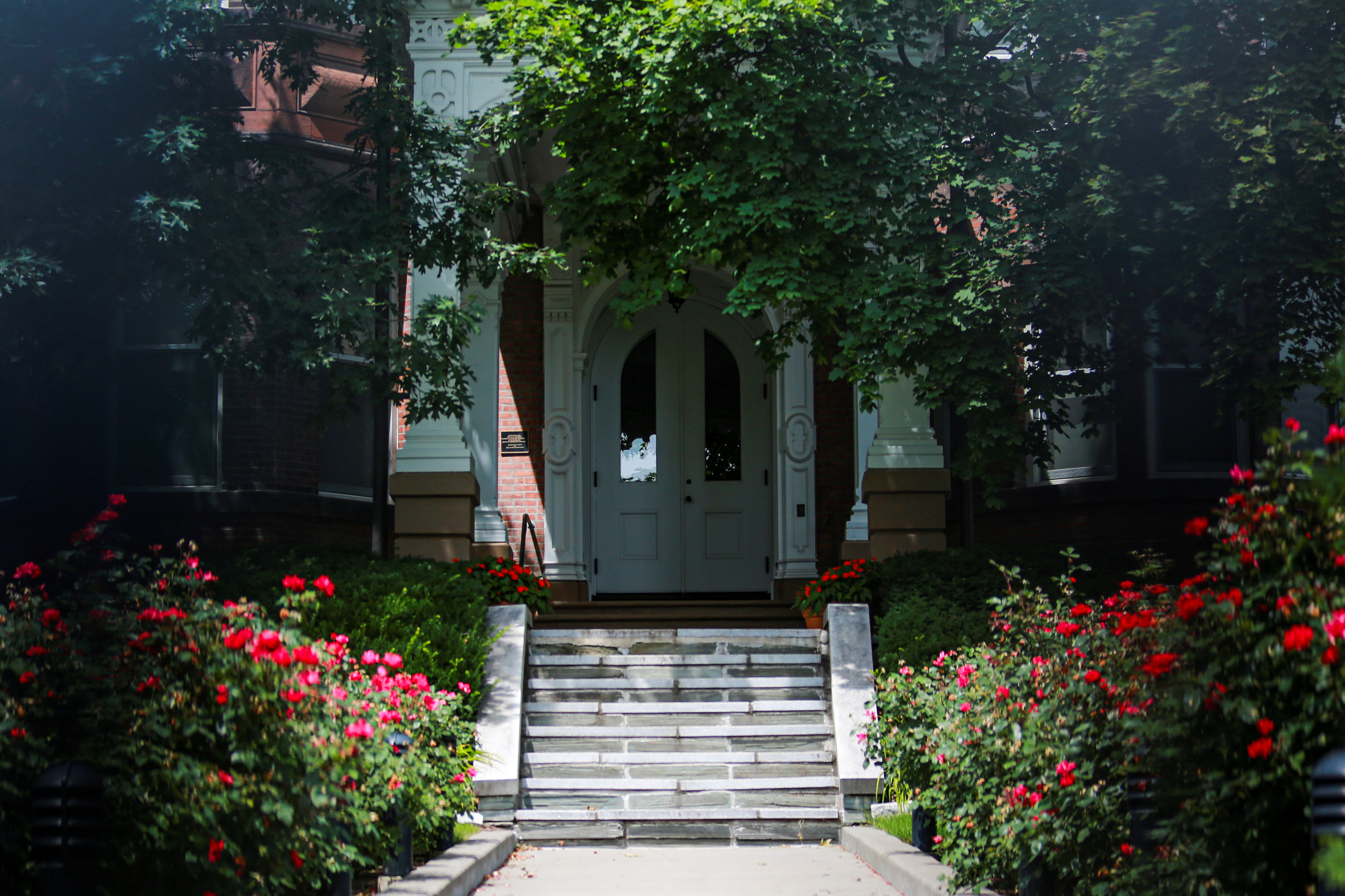 The front door to the New York State Governor's Mansion is seen, after an independent inquiry showed that Governor Andrew Cuomo sexually harassed multiple women and violated federal and state laws, in Albany, New York, U.S., August 3, 2021. REUTERS/Patrick Dodson