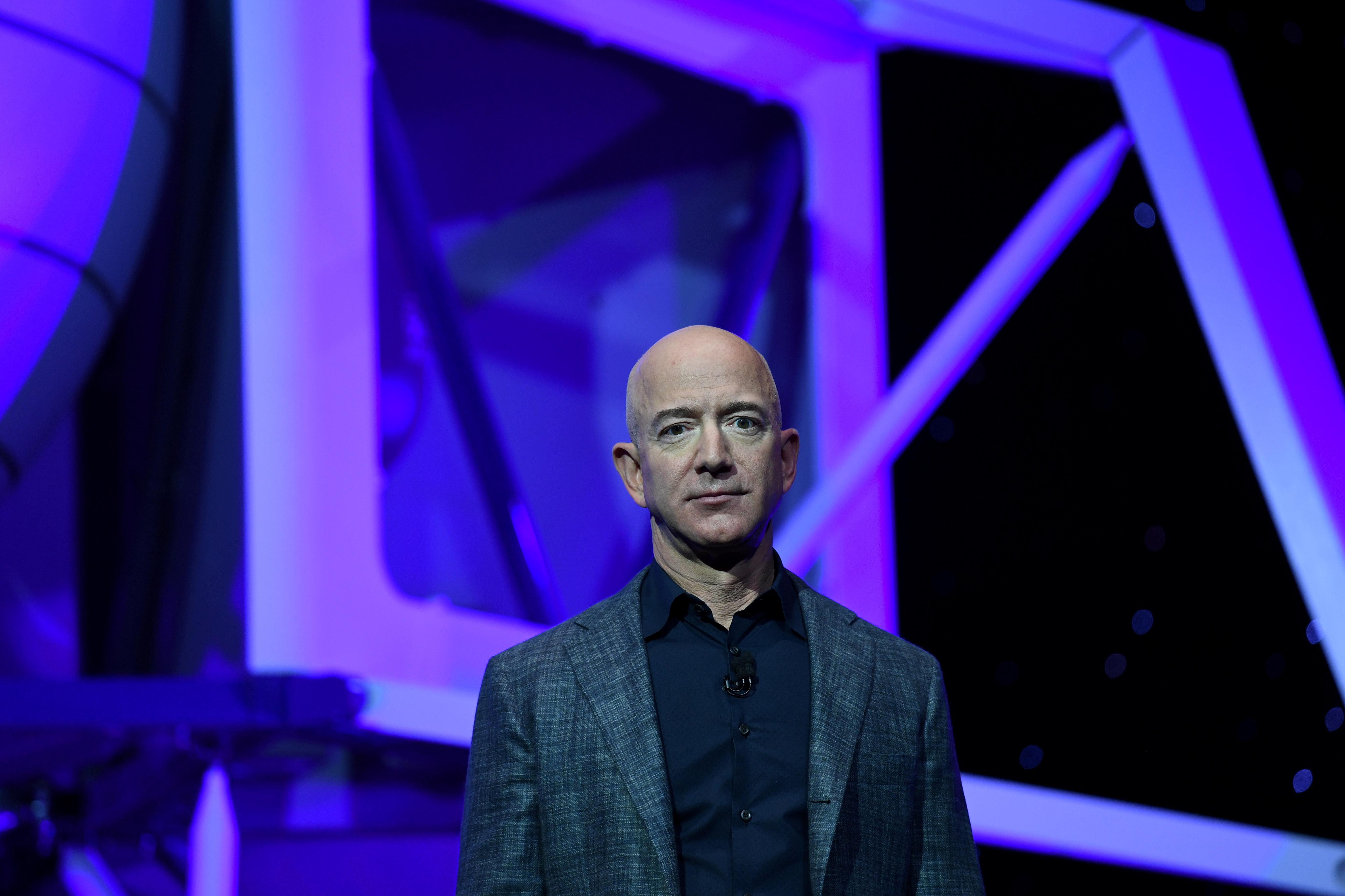 Founder, Chairman, CEO and President of Amazon Jeff Bezos unveils his space company Blue Origin's space exploration lunar lander rocket called Blue Moon during an unveiling event in Washington, U.S., May 9, 2019. REUTERS/Clodagh Kilcoyne/File Photo