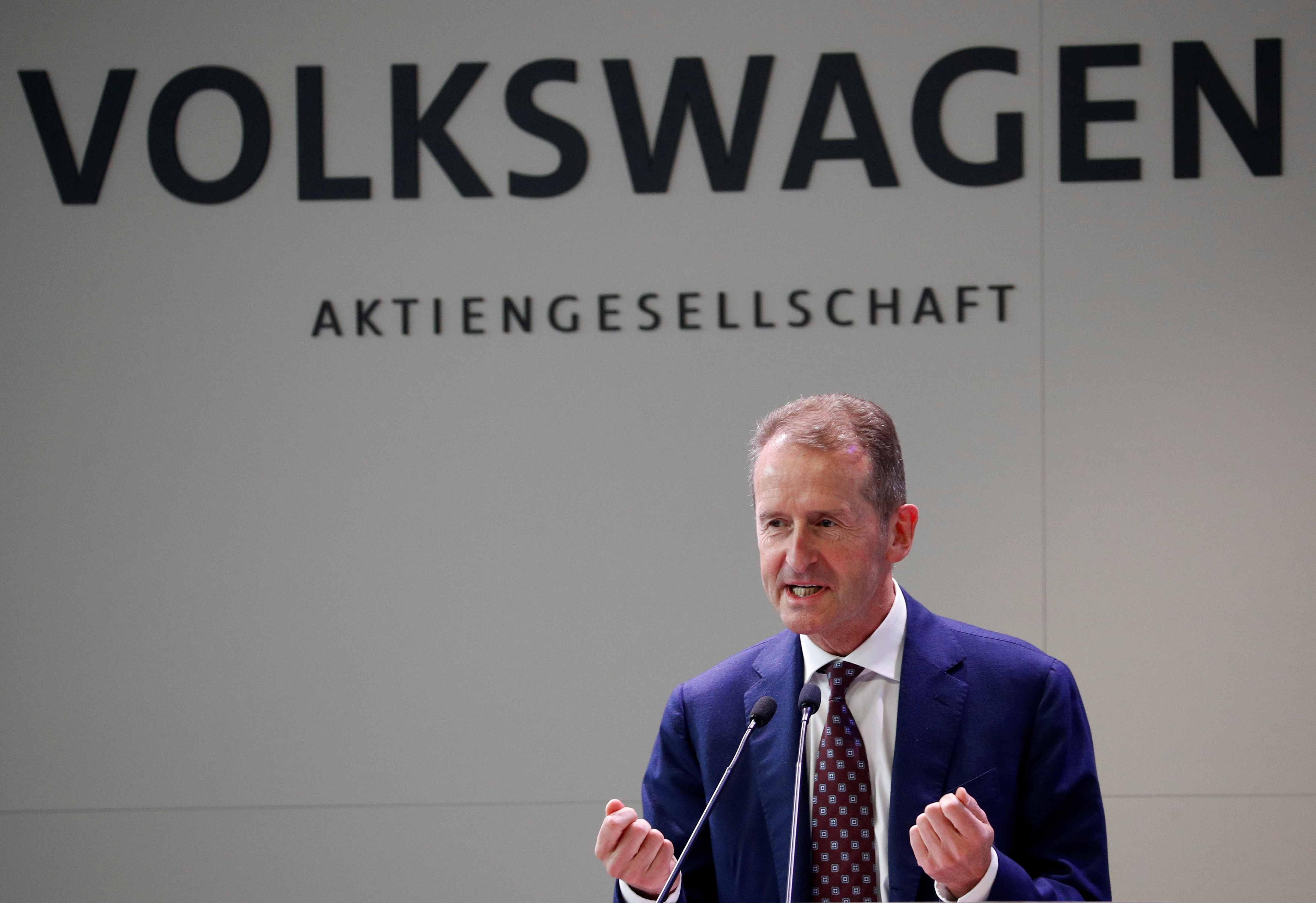 Volkswagen group CEO Herbert Diess delivers a speech during a visit to the SEAT (Volkswagen group) carmaker's factory in Martorell, near Barcelona, March 5, 2021. REUTERS/Albert Gea