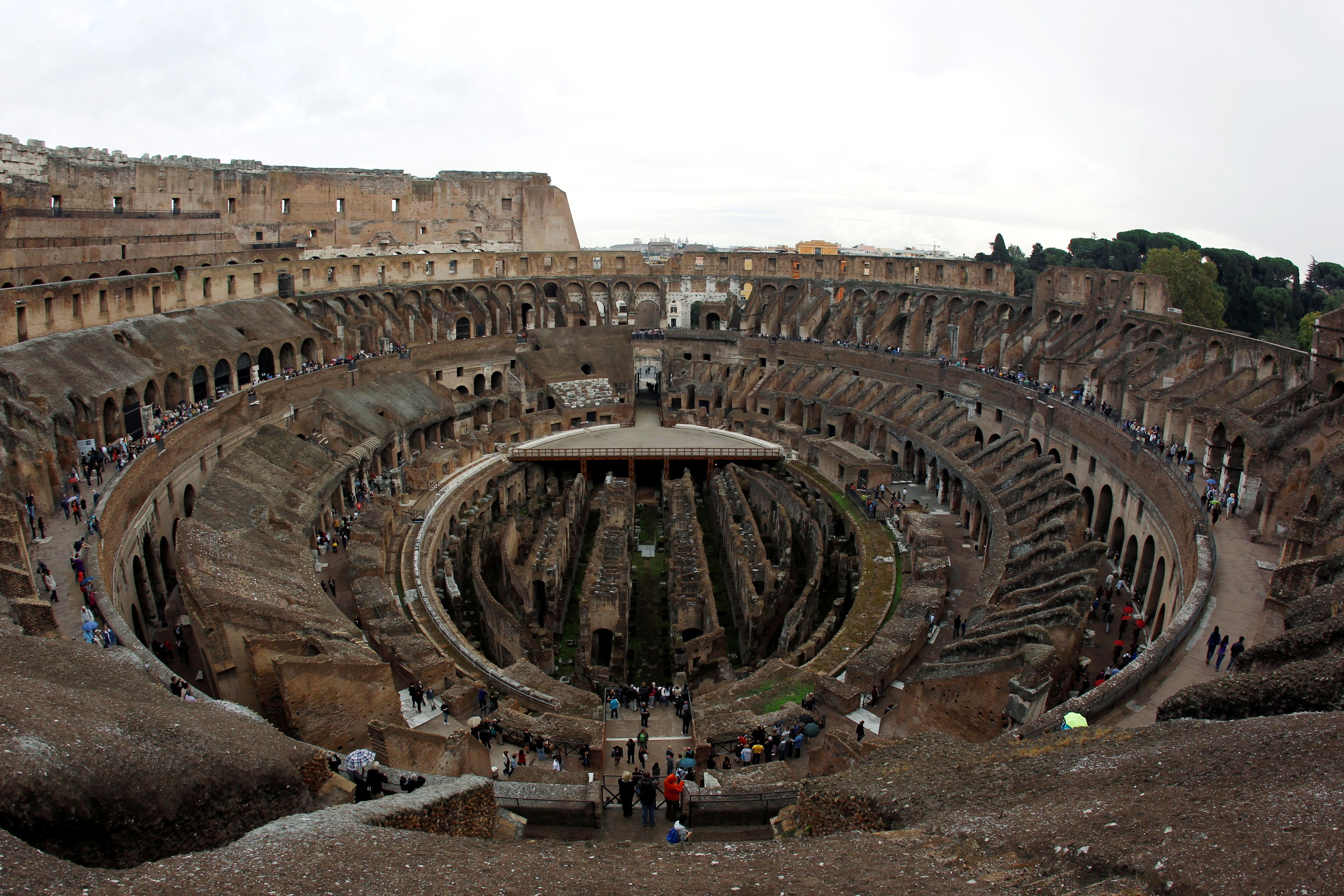 People visit Rome's ancient Colosseum, Oct. 14, 2010. REUTERS/Alessandro Bianchi