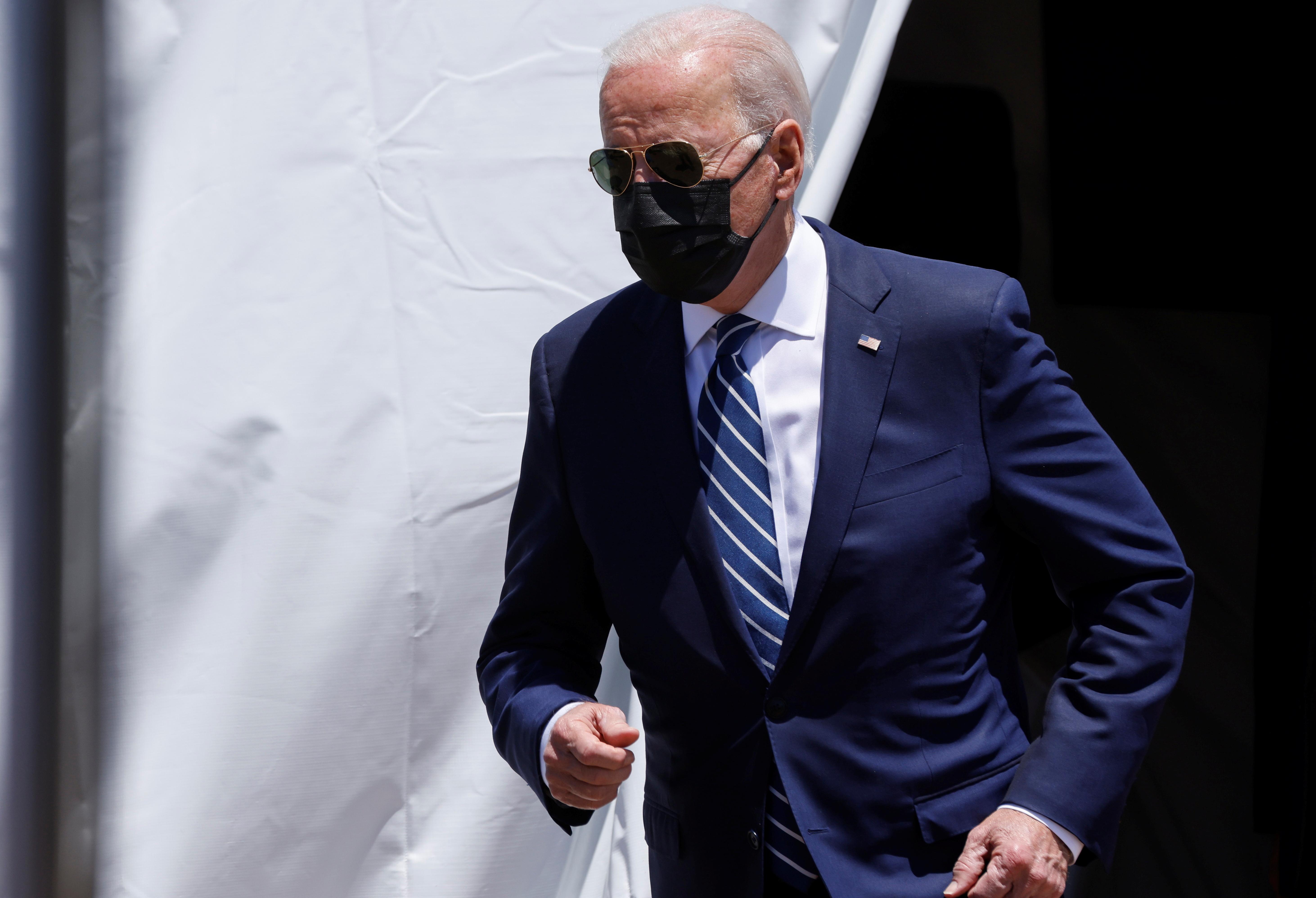 U.S. President Joe Biden arrives to deliver remarks on his American Jobs Plan near the Calcasieu River Bridge in Lake Charles, Louisiana, U.S., May 6, 2021.  REUTERS/Jonathan Ernst