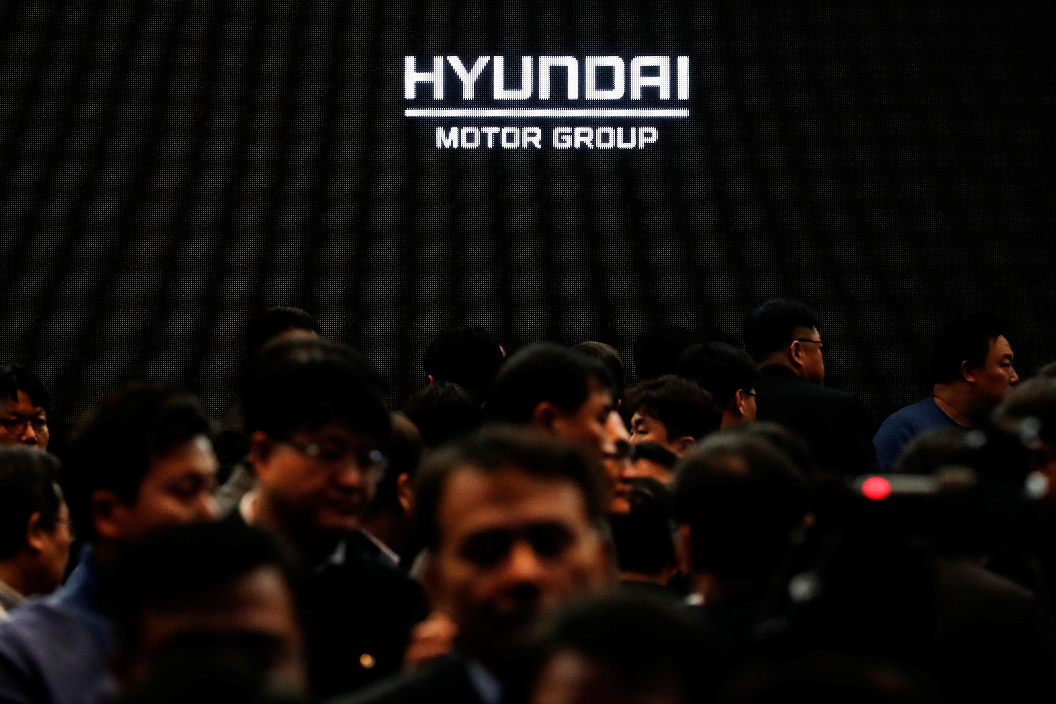 Employees of Hyundai Motor Group leave after the company's new year ceremony in Seoul, South Korea, January 2, 2020. REUTERS/Kim Hong-Ji