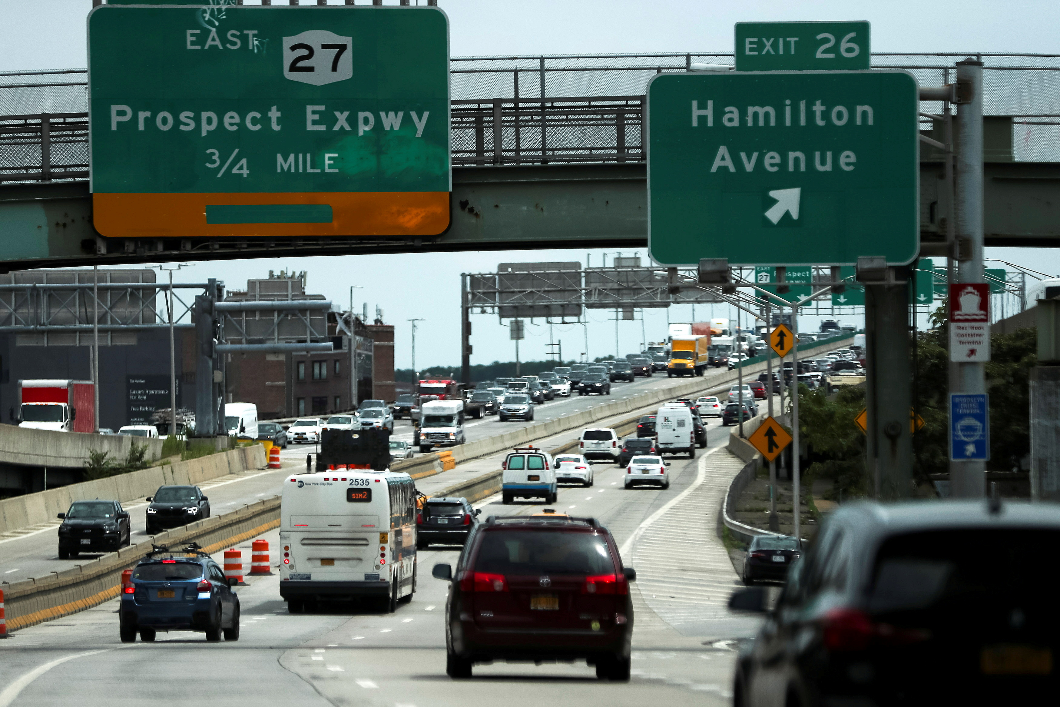 Traffic is seen on a highway ahead of the July 4th holiday, in New York, U.S., July 2, 2021.  REUTERS/Eduardo Munoz