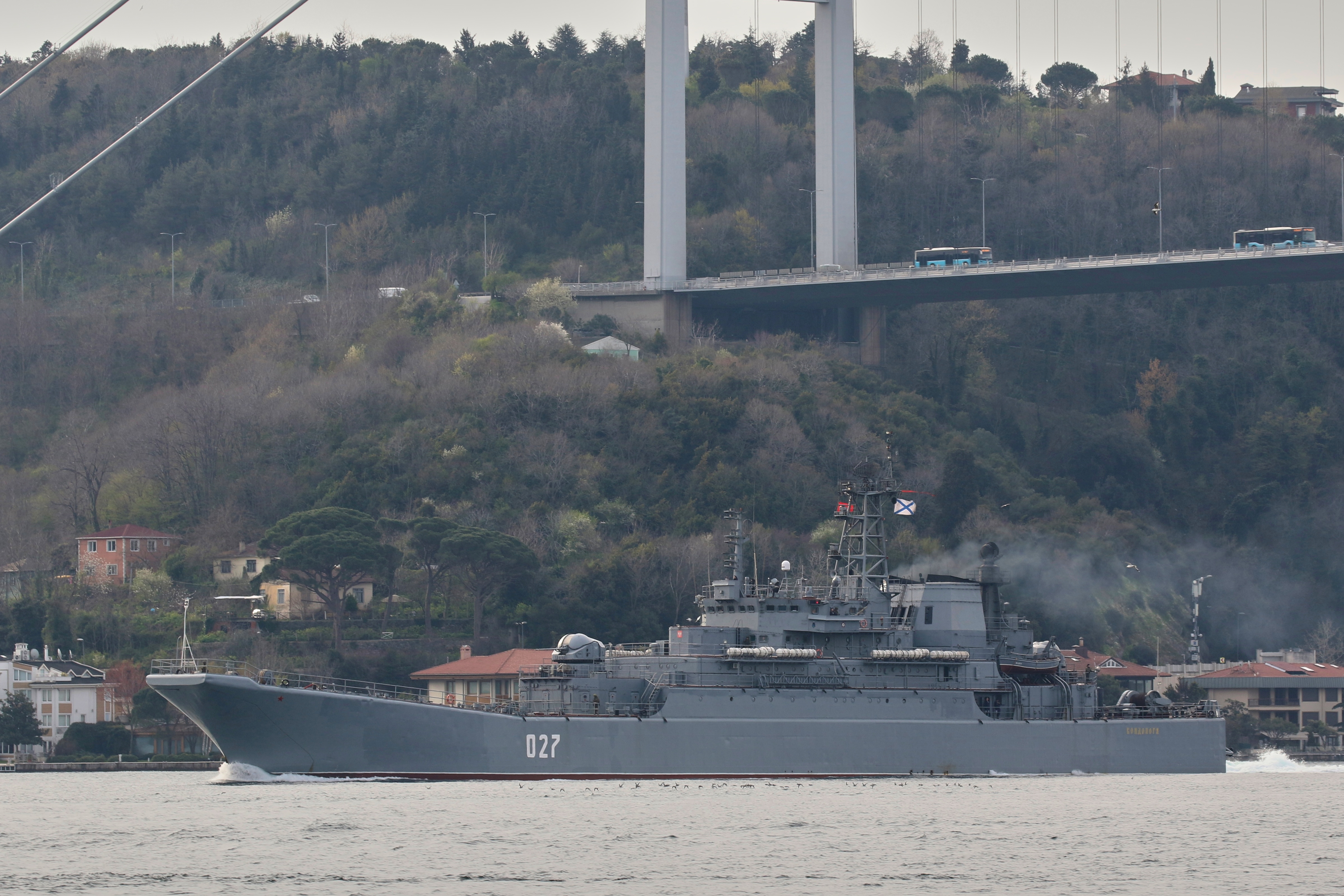 The Russian Navy's Ropucha-class landing ship Kondopoga passes through the Bosphorus on its way to the Black Sea, in Istanbul, Turkey April 17, 2021. REUTERS/Yoruk Isik