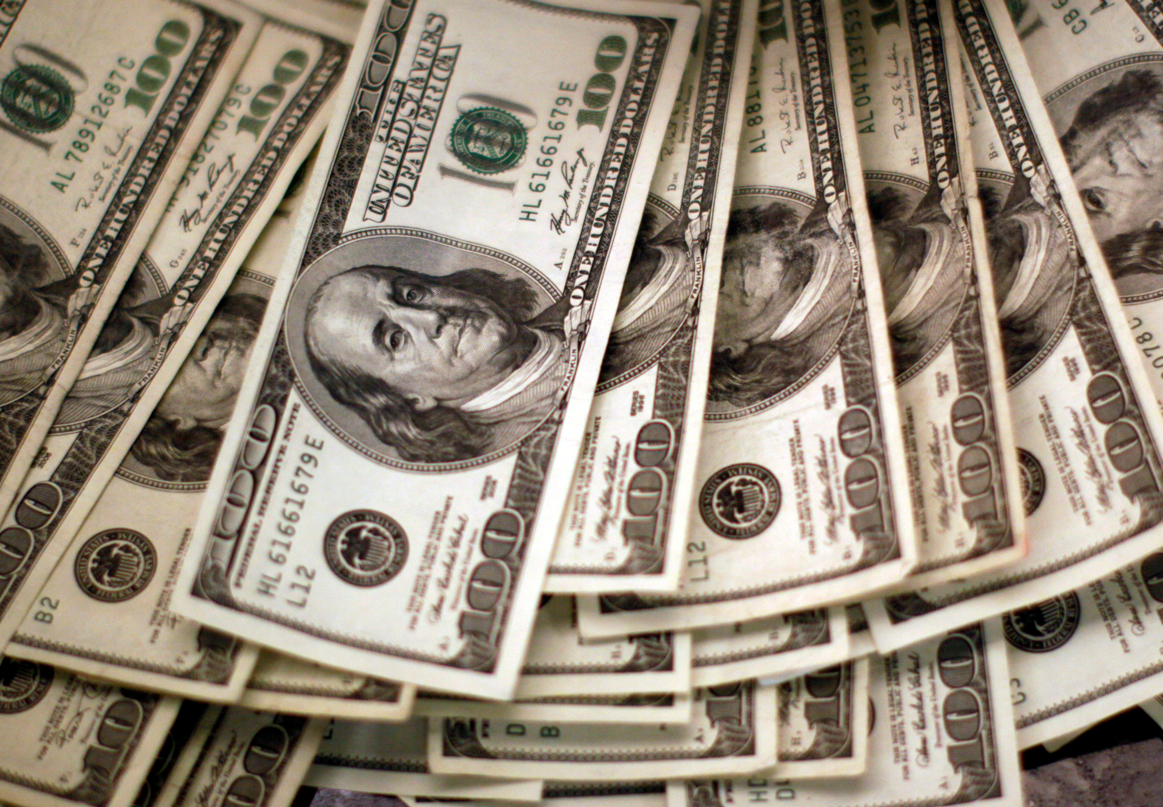 Dollar broadly weaker after U.S. jobs data disappoint | Reuters