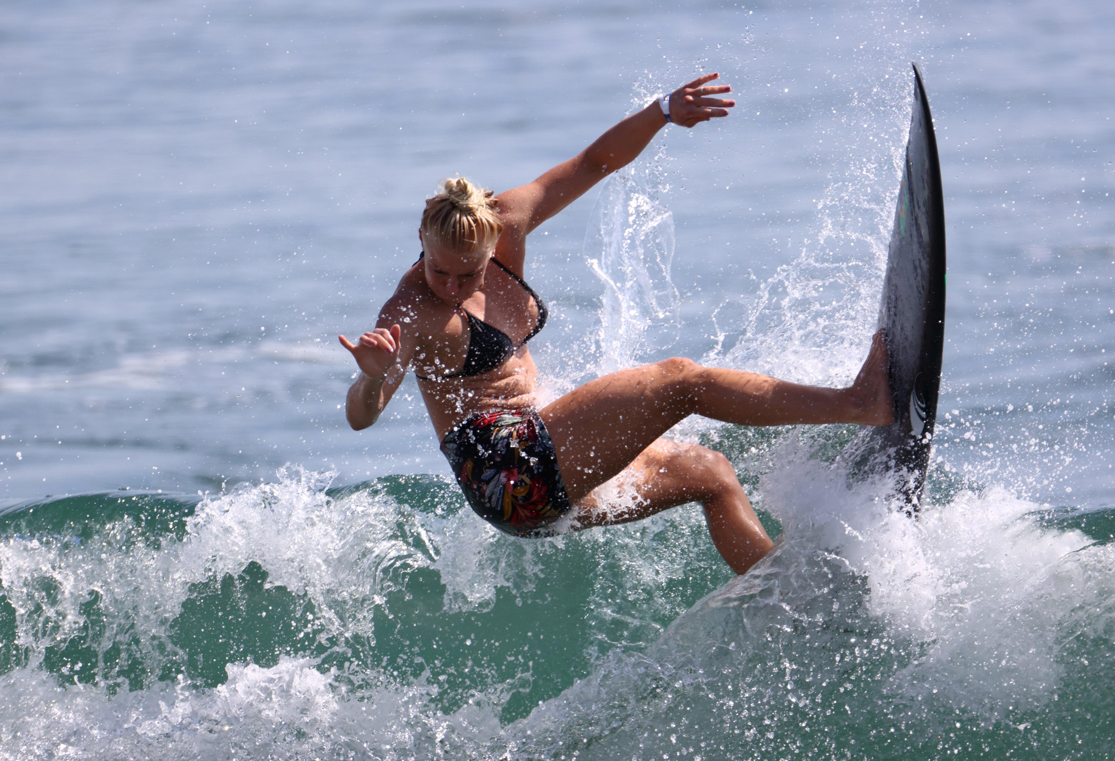 Tokyo 2020 Olympics - Surfing Training - Tsurigasaki Surfing Beach, Tokyo, Japan - July 23, 2021 Tatiana Weston-Webb of Brazil during training REUTERS/Lisi Niesner/File Photo