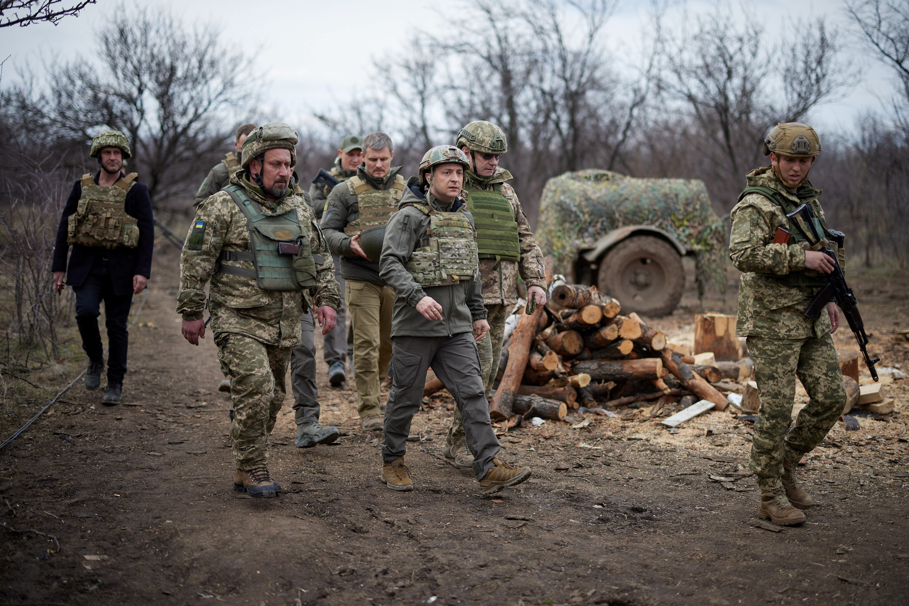 Ukraine's President Volodymyr Zelenskiy visits positions of armed forces near the frontline with Russian-backed separatists during his working trip in Donbass region, Ukraine April 8, 2021. Ukrainian Presidential Press Service/Handout via REUTERS